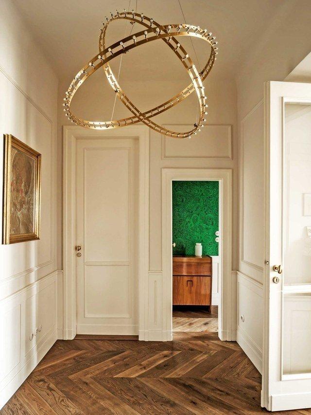 Většina prostor má bílou výmalbu, aby byl byt světlý.