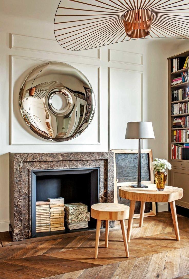 Eklektika je přesně ten styl, který bytu sedí. Míchá se zde staré s novým, moderní s klasickým.