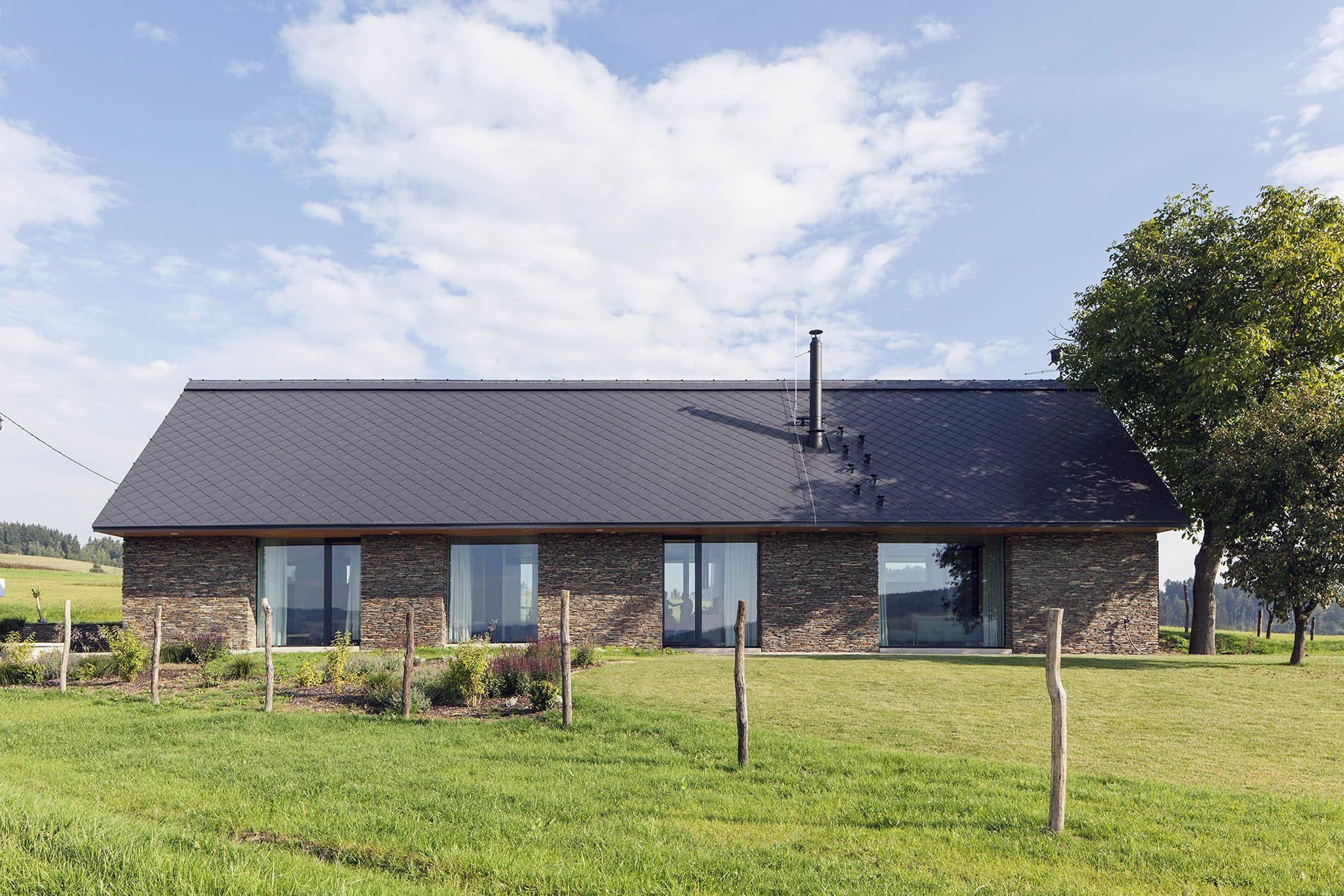 Klasická stodola z moderních materiálů