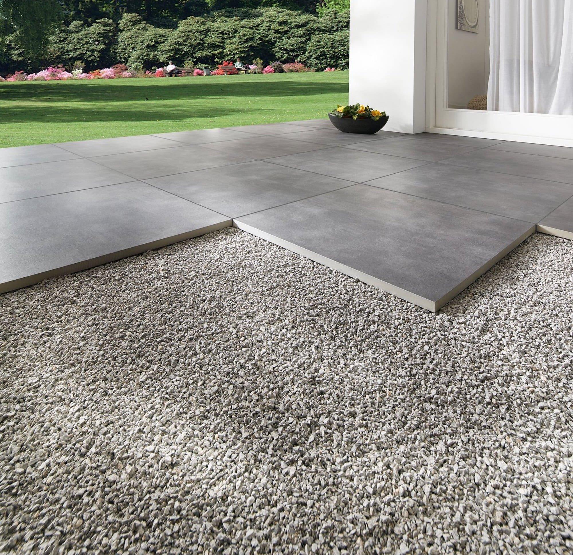 Mrazuvzdorná terasová dlažba Streetline je ideální pro úpravu teras a chodníků.