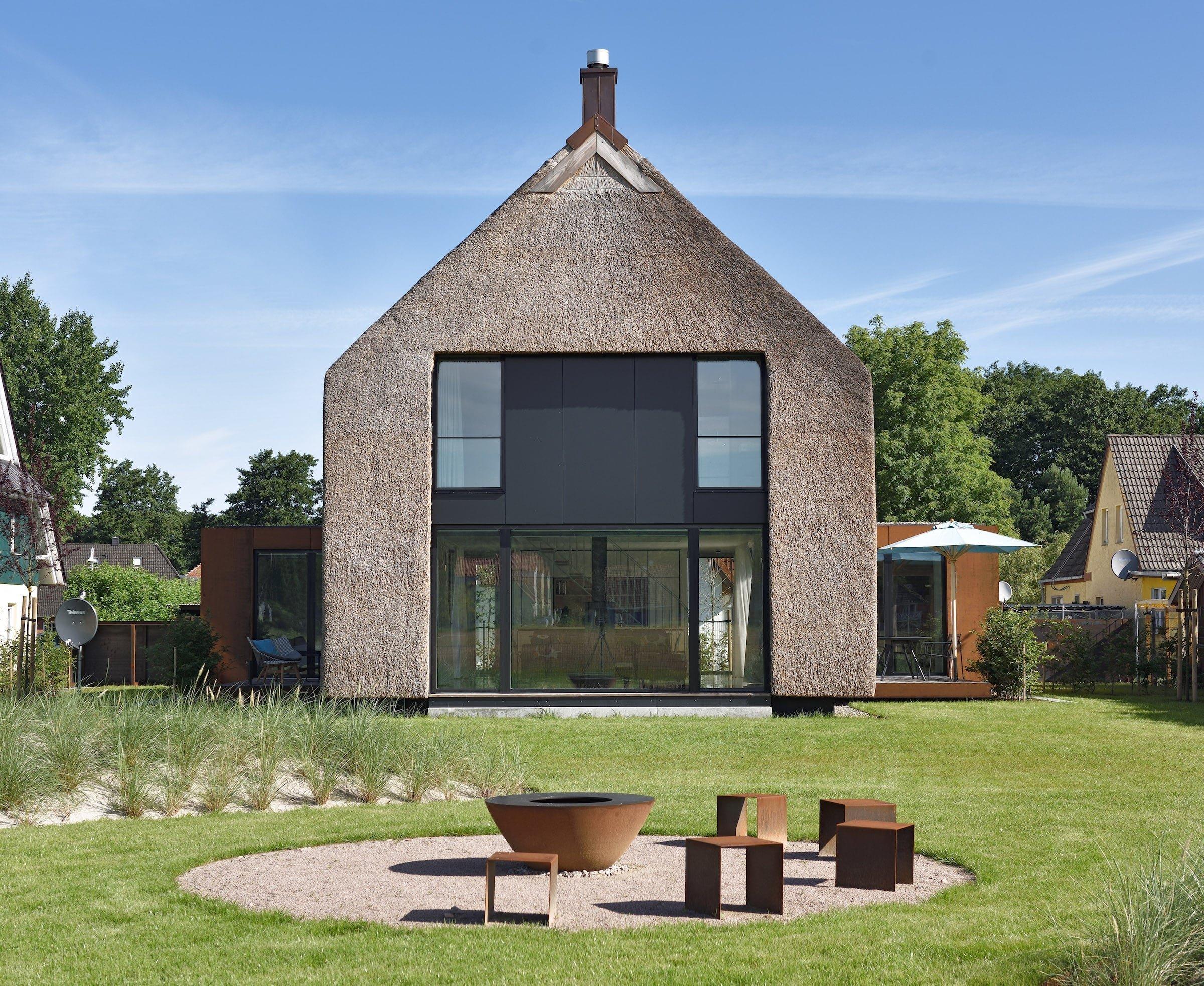 Dům s rákosovou fasádou
