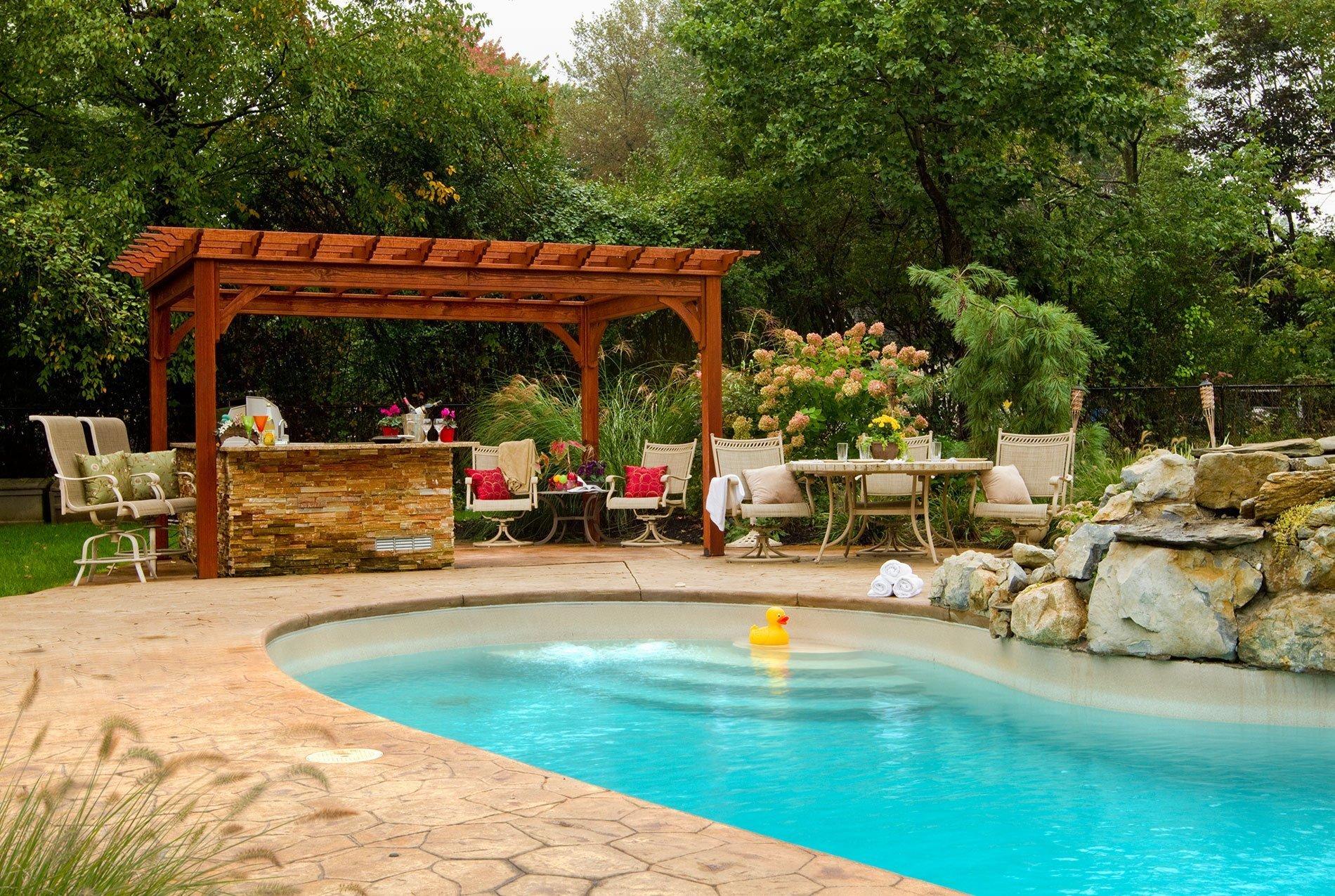 Pergola poskytuje pohodlné zázemí na zahradě.