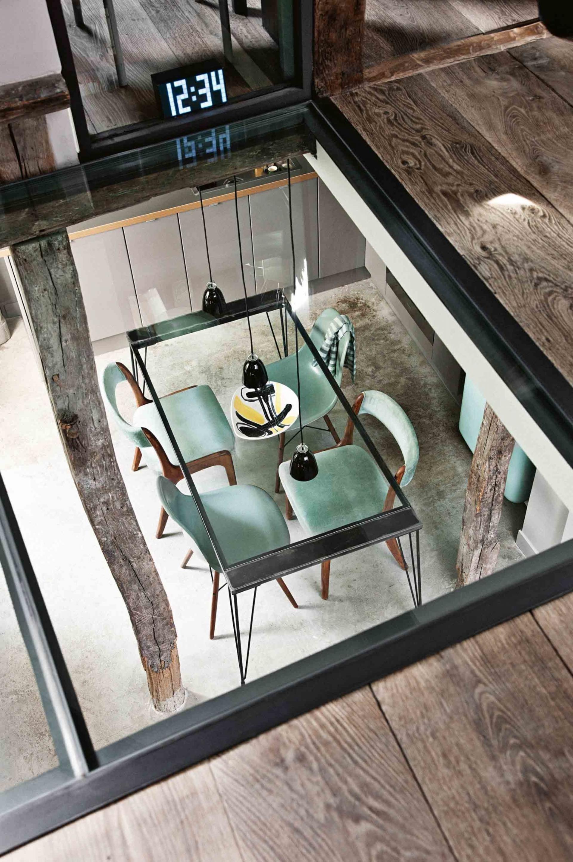 Geniální řešení, jak otevřít prostor - prosklít strop!