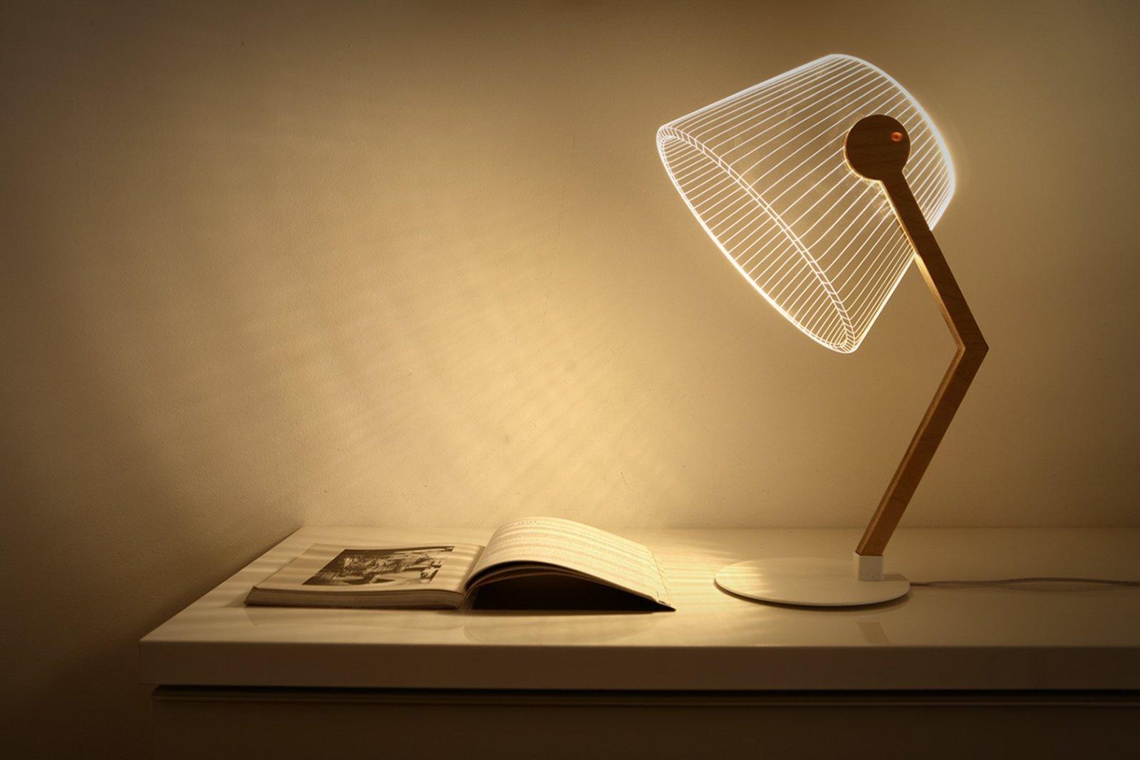 Čtecí lampička je naprostý základ.