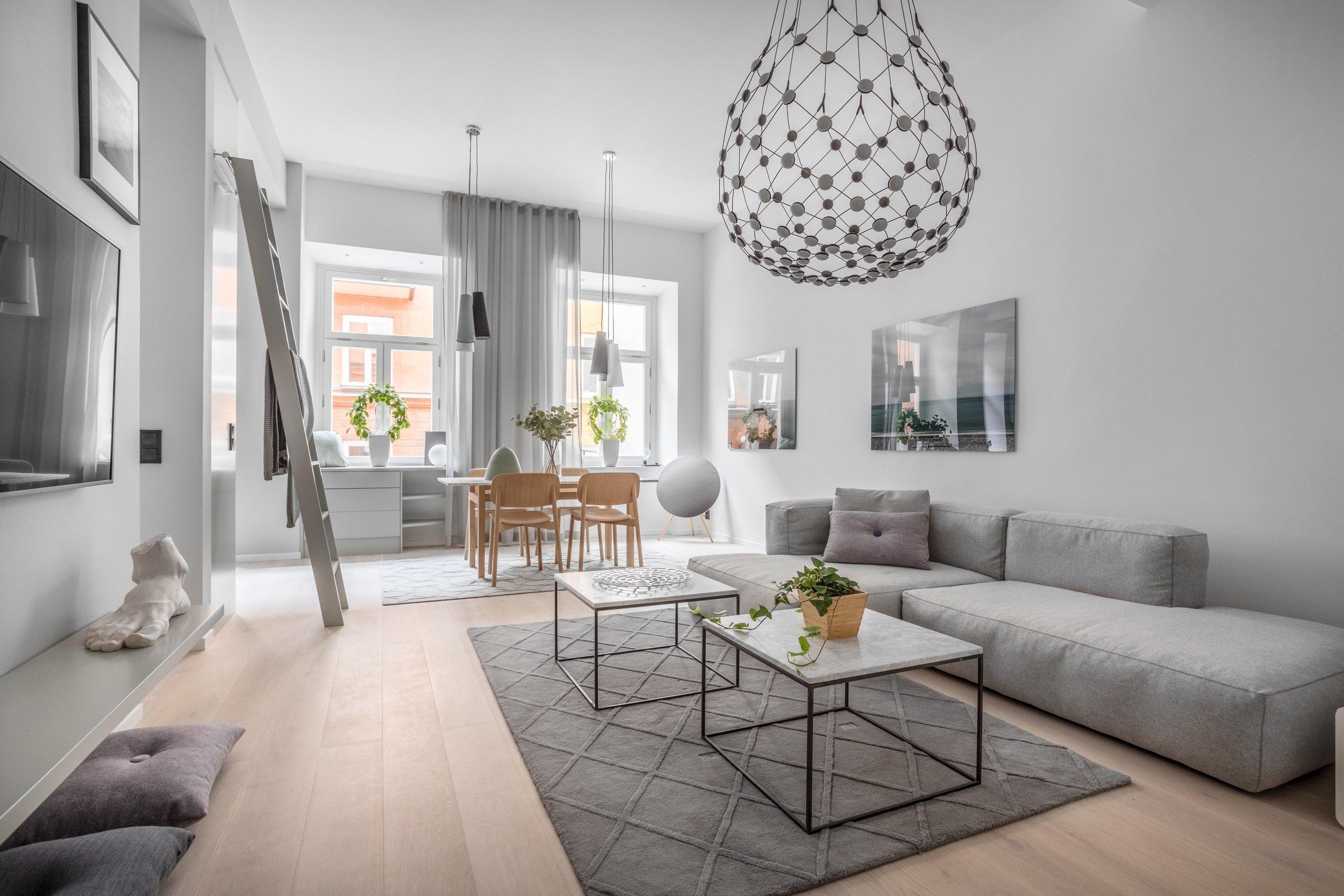 Termín skandinávský design neurčuje společný, či podobný design daných zemí. Jedná se spíše o marketingový nástroj, který má podporovat design severních lokalit. Je to spíše užitečný způsob, který zemím s geografickou blízkostí ulehčuje přístup na trh, přičemž tím zároveň umně maskuje skutečné národní designové odlišnosti?