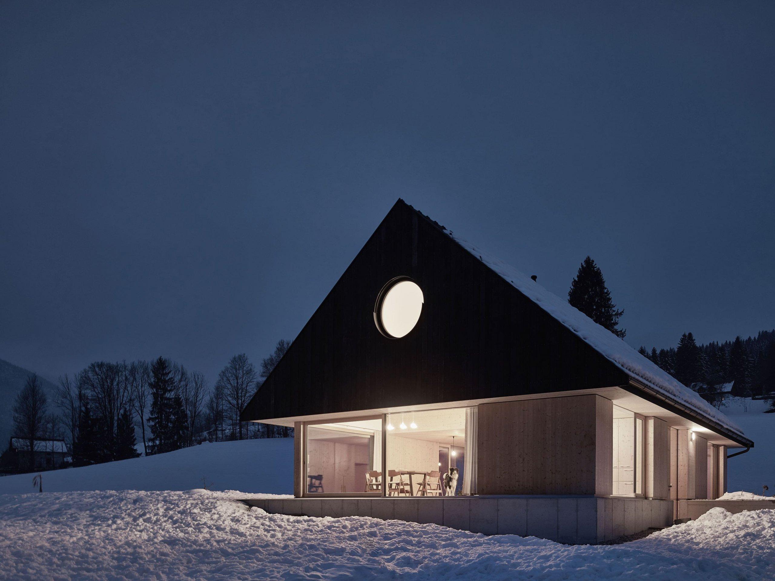 Dům plný dřeva