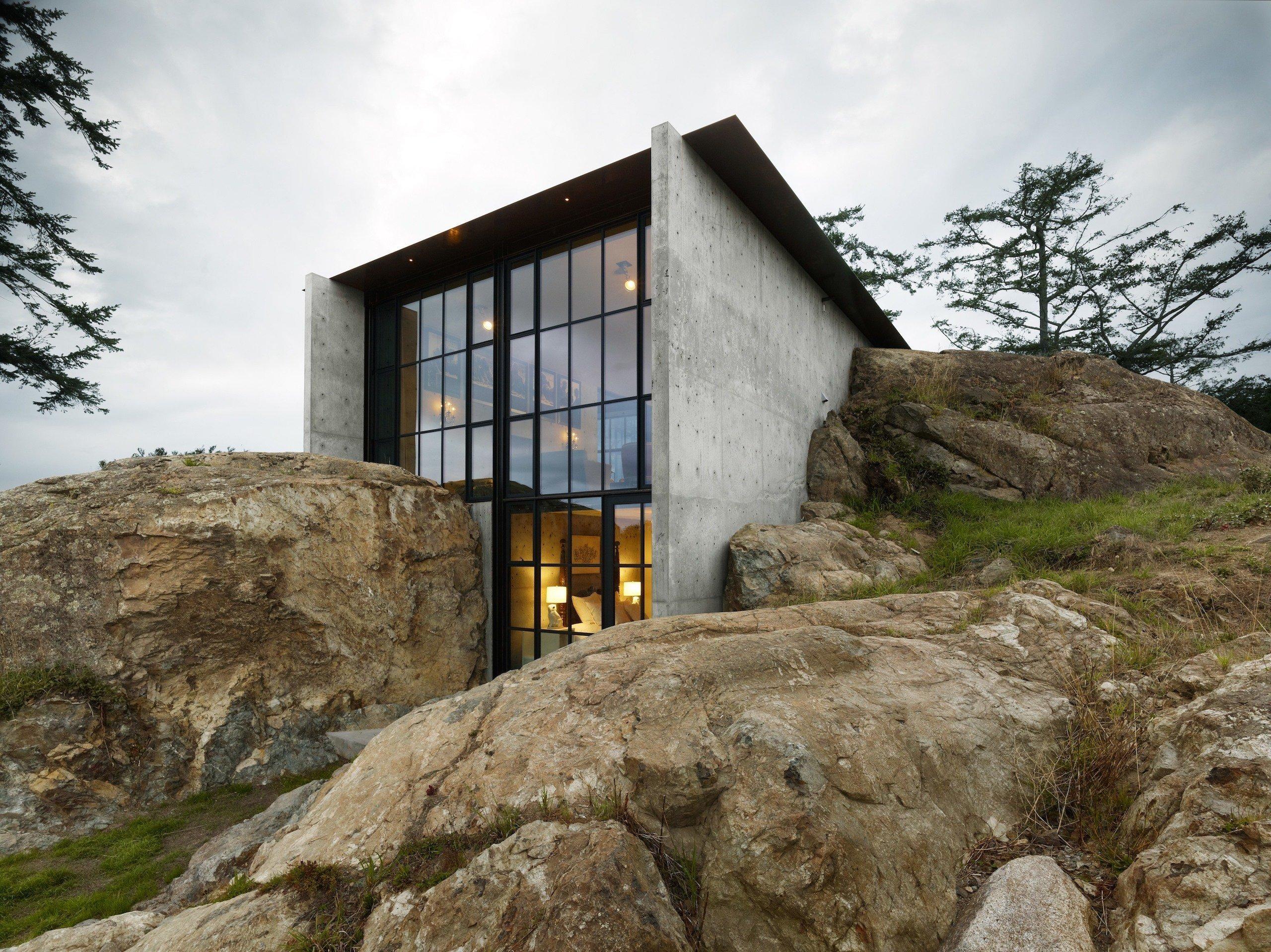 Dům mezi kameny