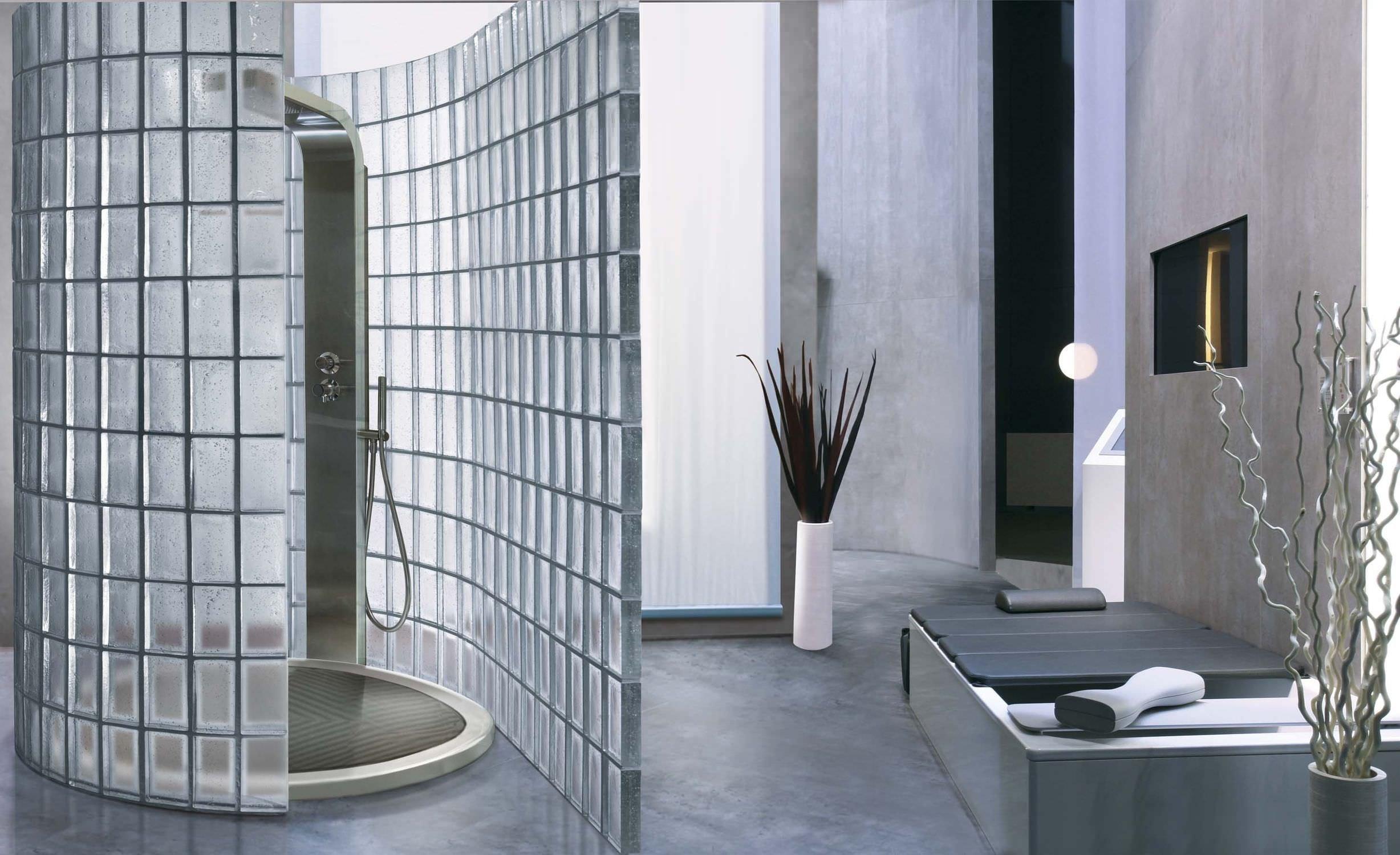Luxfery se vrací s velkou pompou! Už to nejsou ty staré známé skleněné tvárnice vpasované do konstrukcí skleníků nebo záchodových okýnek, moderní luxfery boří staré mýty a stávají se materiálem budoucnosti.