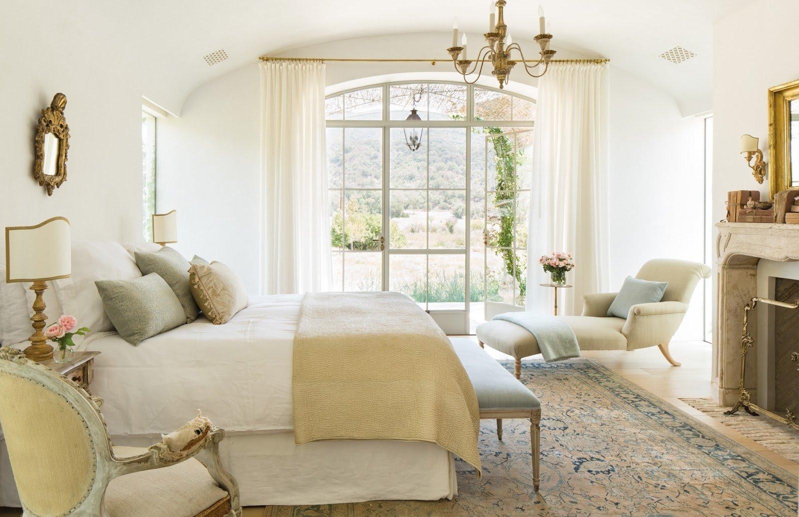 ložnice v přírodních barvách