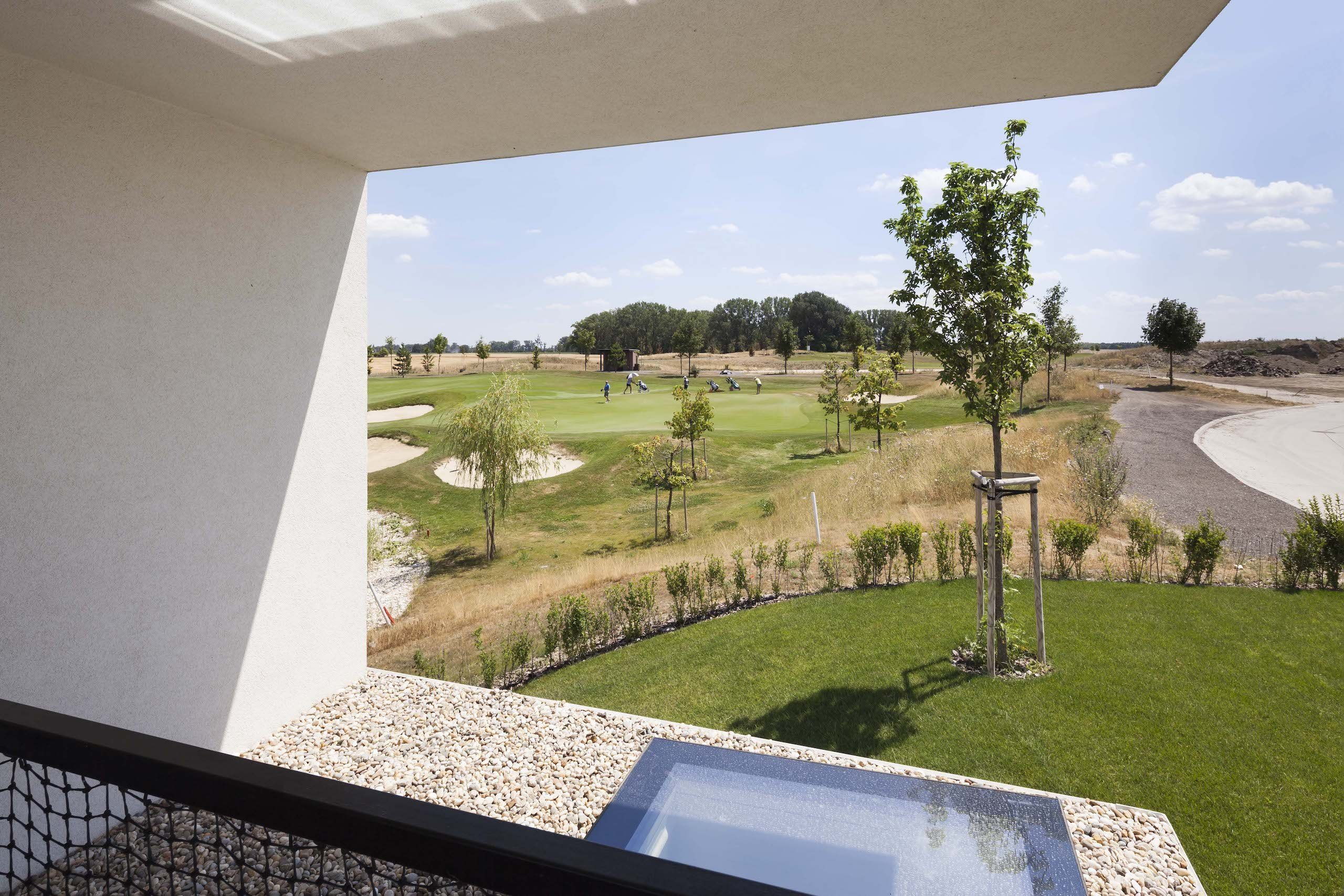 Bydlení uprostřed golfového hřiště
