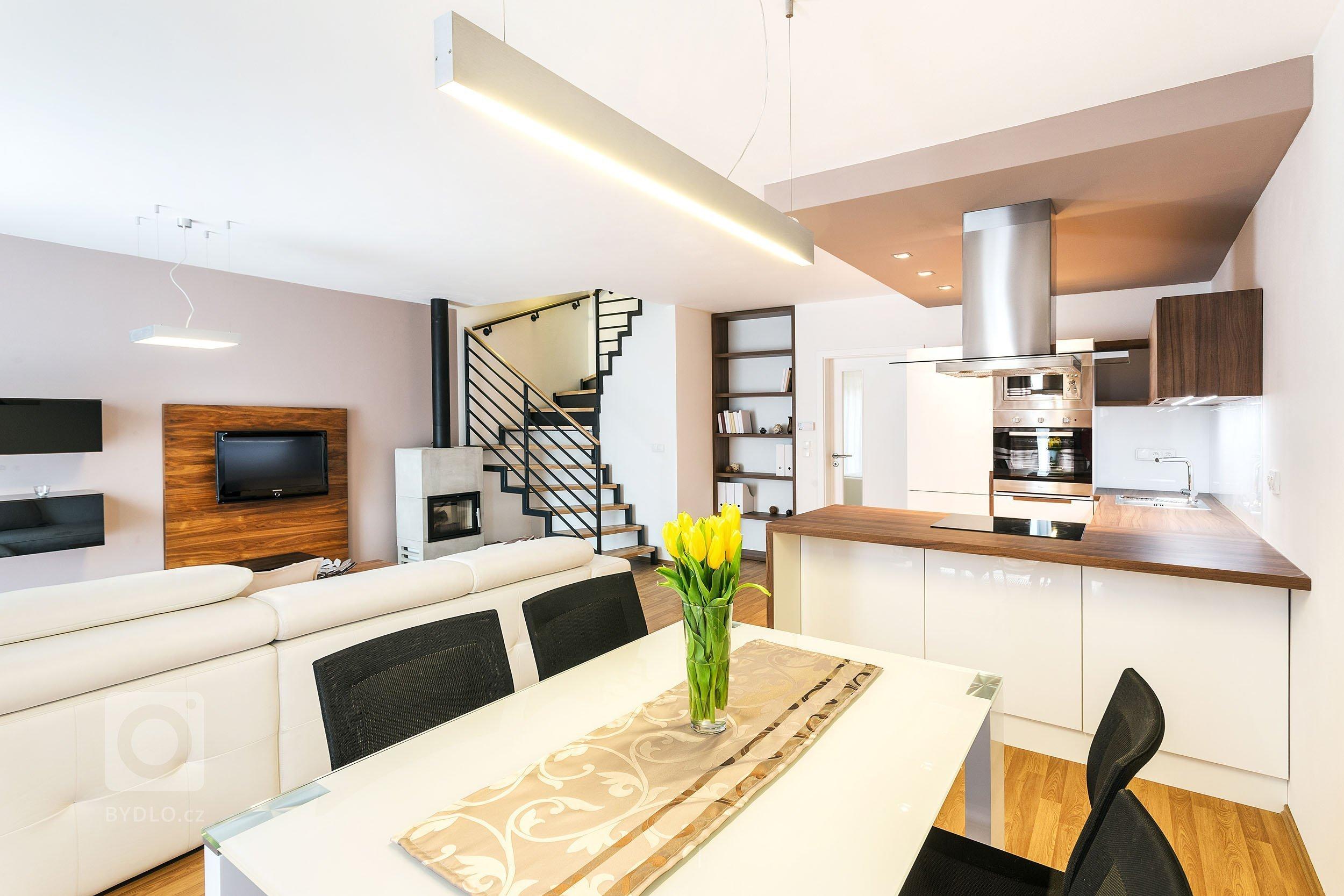 Kuchyně v obývacím pokoji, nebo zvlášť?