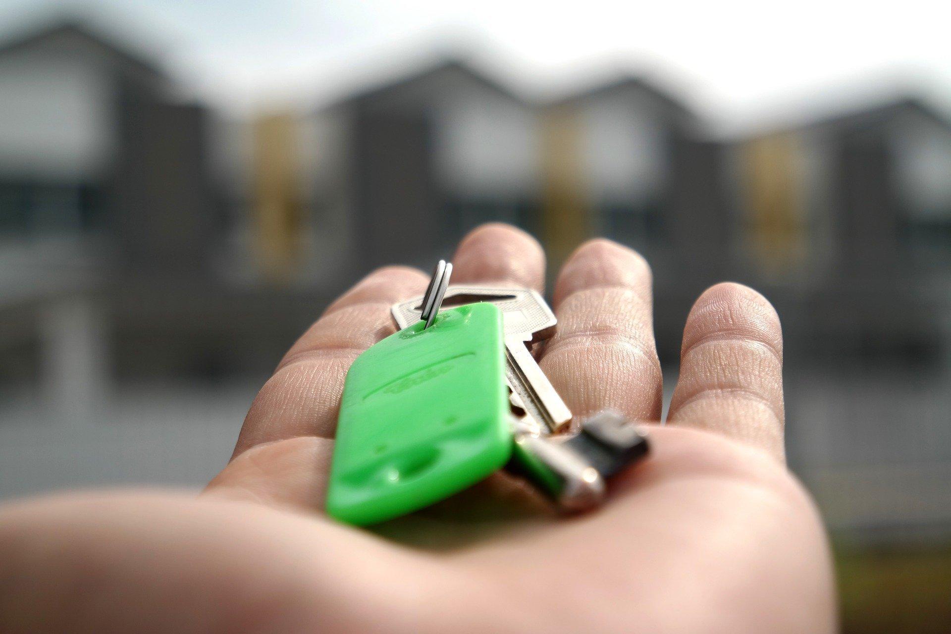 Plánujete řešit bytovou otázku pronájmem? Poradíme vám, jak vycházet s pronajímatelem bytu. Natrefili jste na internetu na dobrou nabídku podnájmu? Netěšte se předčasně, nejprve si zjistěte skutečnou cenu podnájmu se vším, co k tomu patří.
