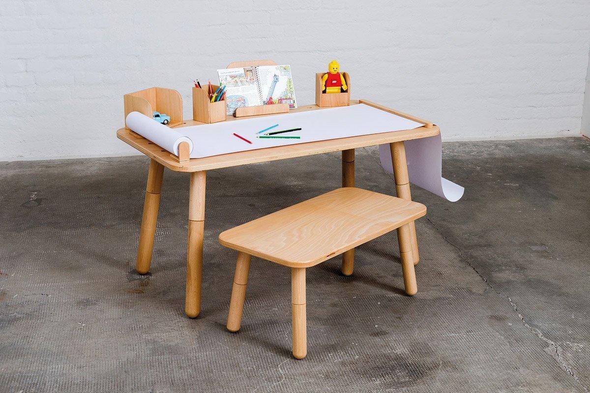 Stolek Growing Table od designéra Olafa Schrödera se čtyřmi výškovými nastaveními, je ideální volbou pro kreativitu nejmenších