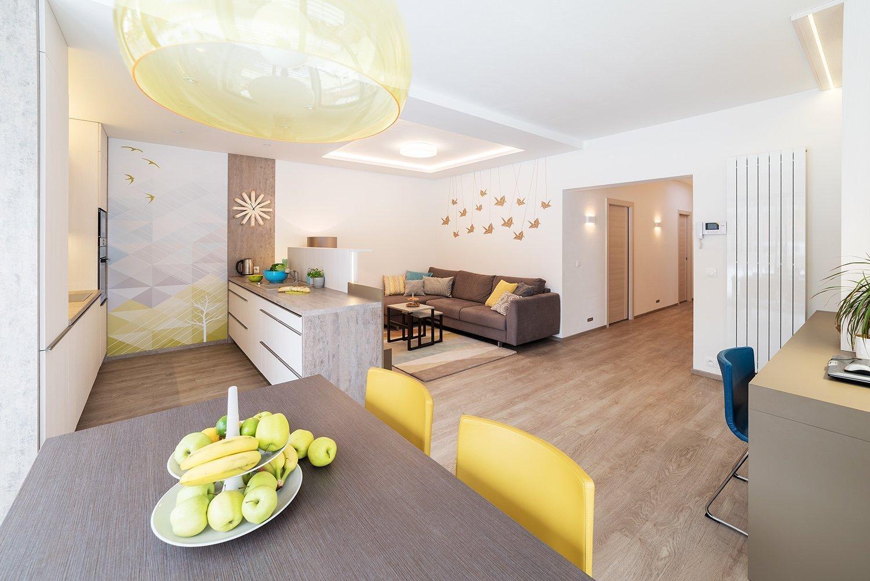 Novostavba jednopodlažního rodinného domu se nachází kousek od centra Brna a je ukrytá v atriu nového bytového domu. Poskytujetedy dostatek soukromí a…