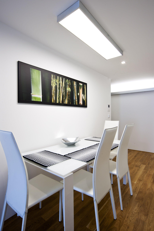 Interiérový design na vynikající adrese. Tak lze vystihnout realizaci vluxusním pražském bytě satraktivním nábytkem navrženým na míru.&nbsp…