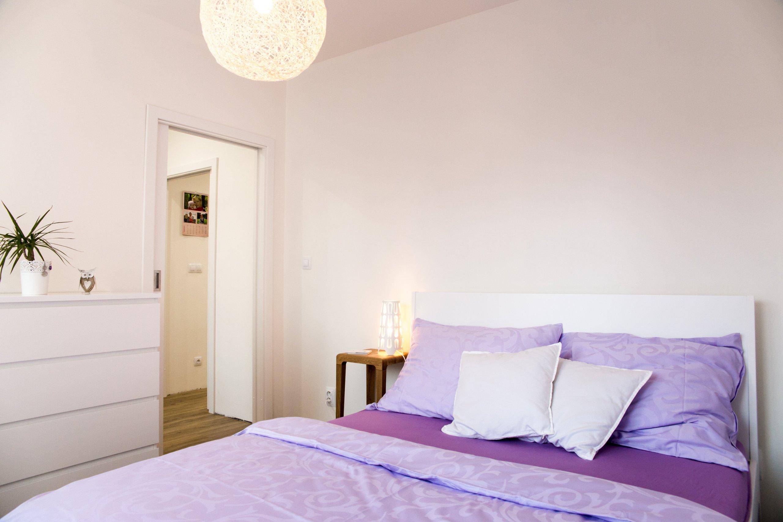 Investorka Hanka zNového Jičína toužila po přeměně bytu 2+kk spůvodní dispozicí vpanelovém domě ve fungující, vzdušný a moderní prostor.…