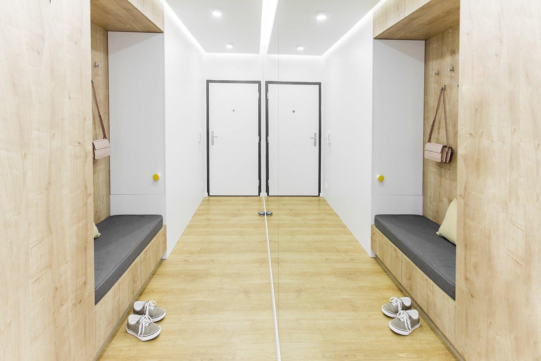 Ďalší interiér v obľúbenom projekte SLNEČNICE riešený ateliérom DOBRÝ INTERIÉR je krásne presvetlený a to najmä vďaka drevenému obkladu. Práve teplá farba…