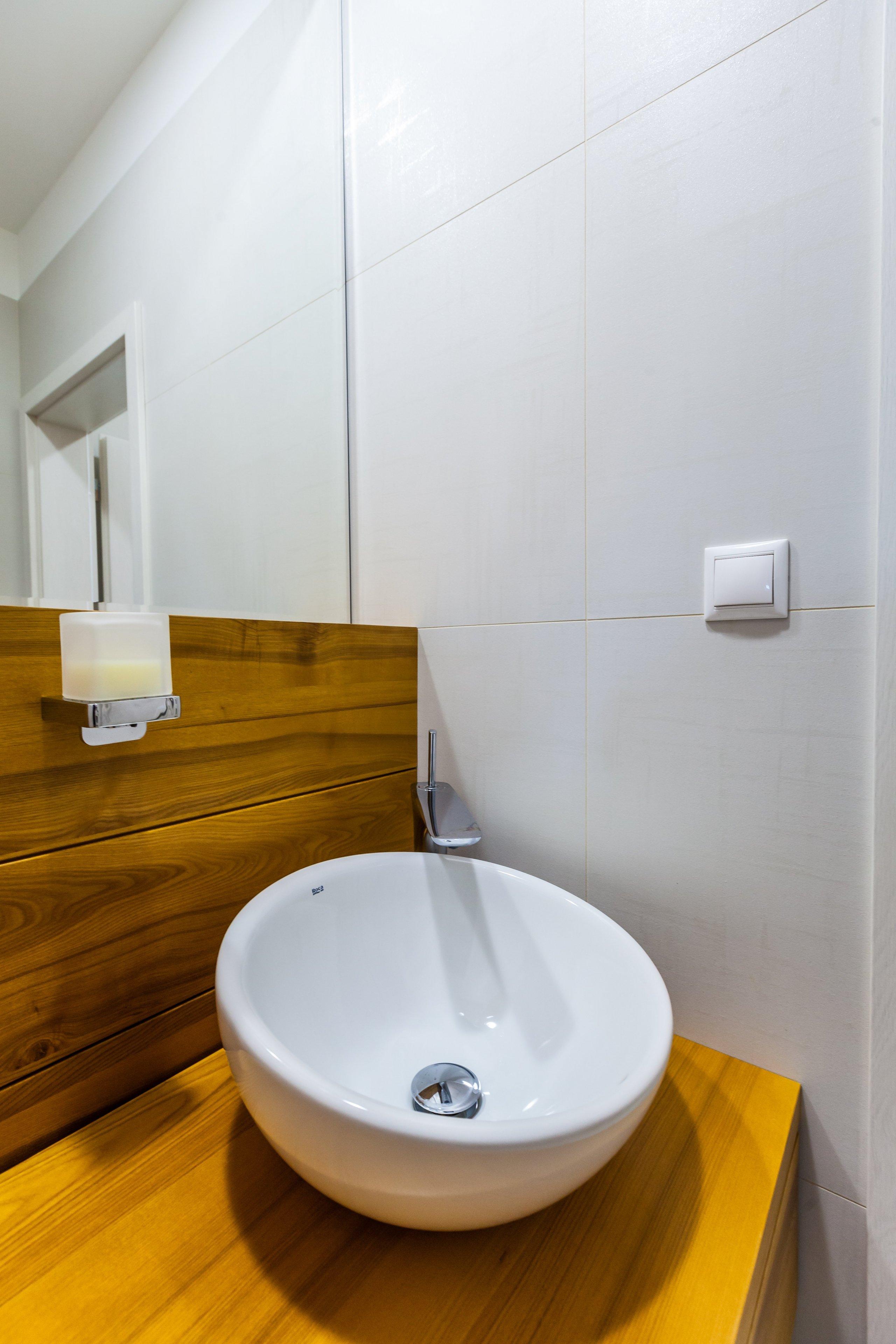 prinášame Vám náhľad do zrealizovaného interiéru bytu v Považskej Bystrici v spolupráci s dodávkou exkluzívnych obkladov, dlažieb a sanity štúdia BEST, veríme,…