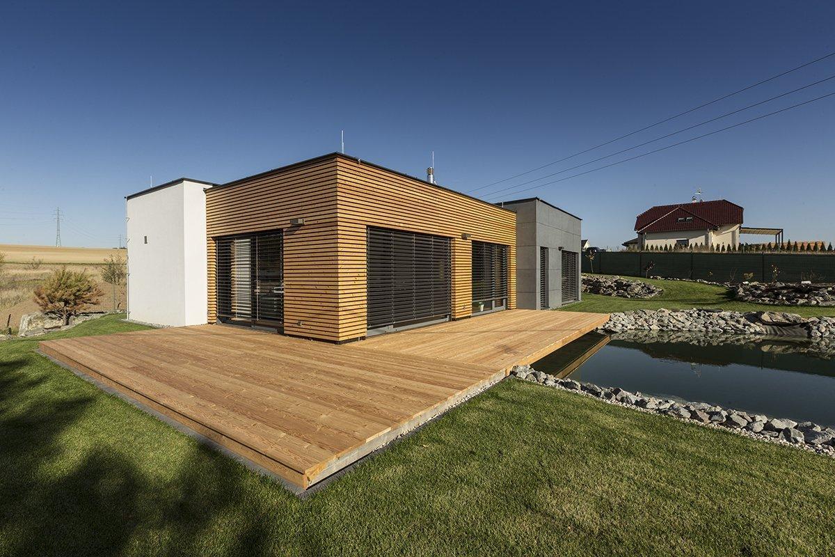 Typová dřevostavba o rozloze 150 m2. U většiny našich staveb doporučujeme založení stavby na základových patkách (samozřejmě z ekonomických důvodů), ovšem u…