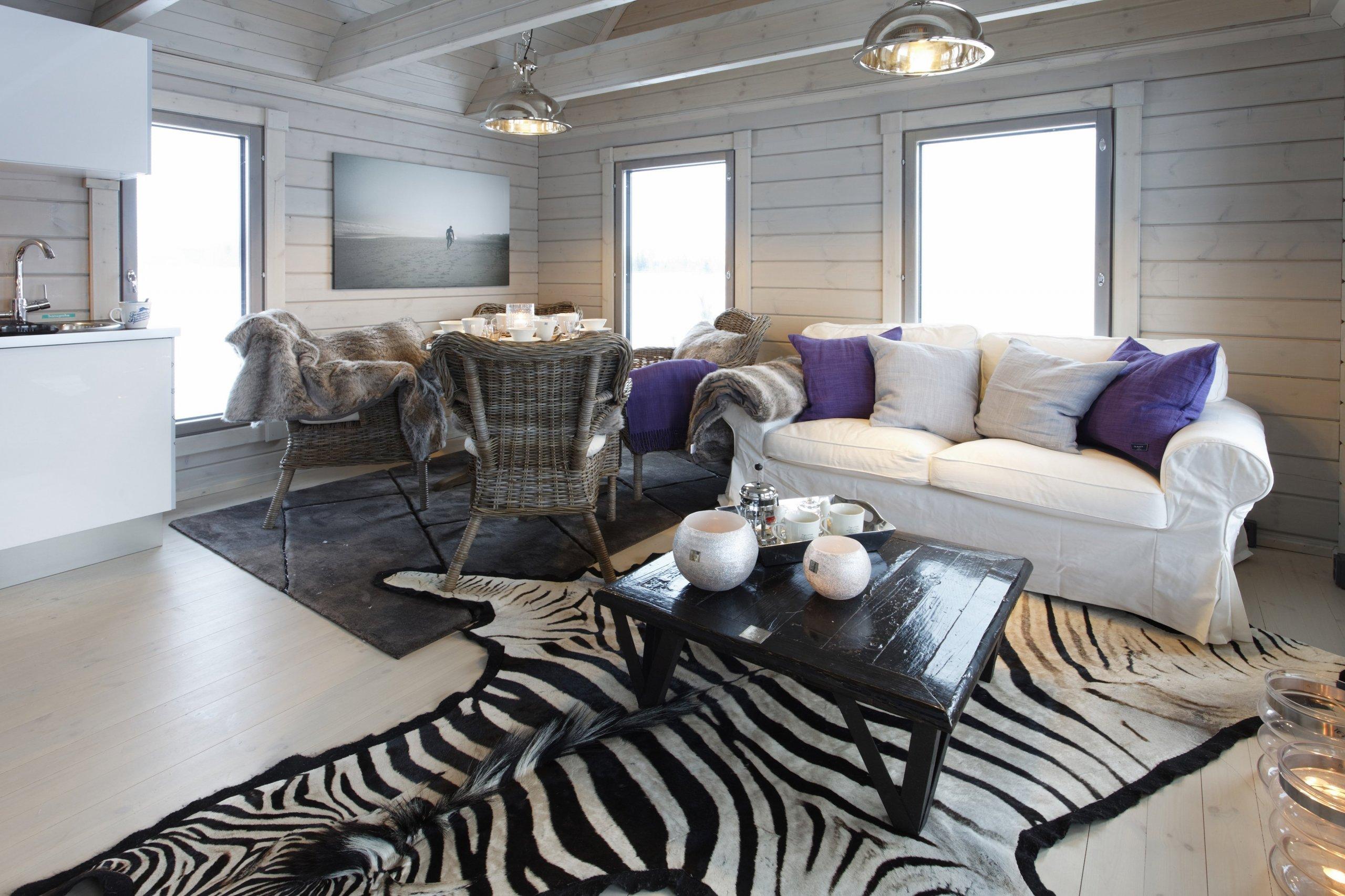 V malém interiéru lze vykouzlit opravdu divy :-) Důkazem je srubová chataKONTIOz kolekce Nalle s podlahovou plochou 30m2. Chatu lze upravit&nbsp…