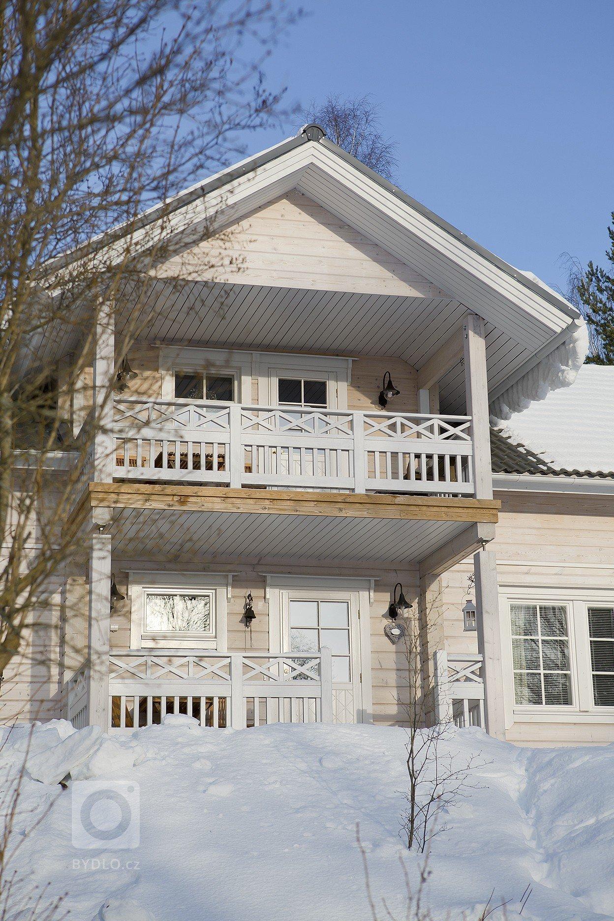 Další z velicepovedených realizací srubového domu KONTIO na přání majitelů. Dřevěný interiér v přírodních odstínechvytváří unikatní atmosféru.…