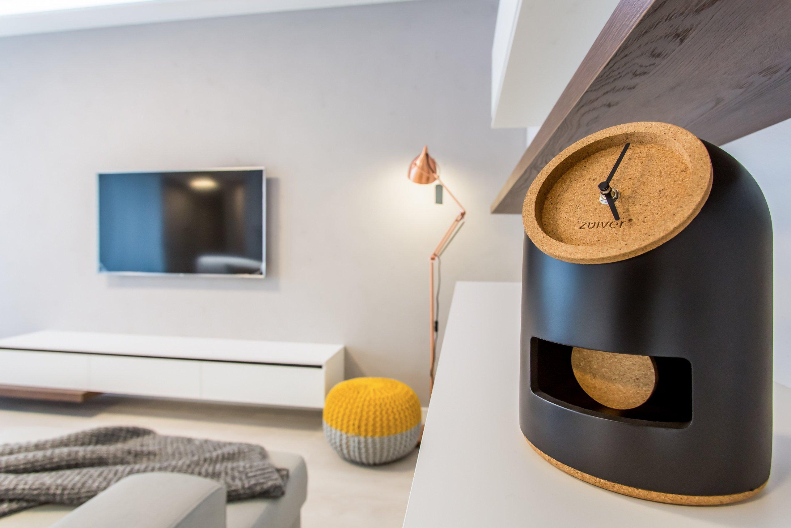 Nahliadnite do nášho najnovšieho zrealizovaného interiéru dvojizbového bytu v centre mesta. Koncept návrhu je špecifický výrazným kontrastom tmavého…