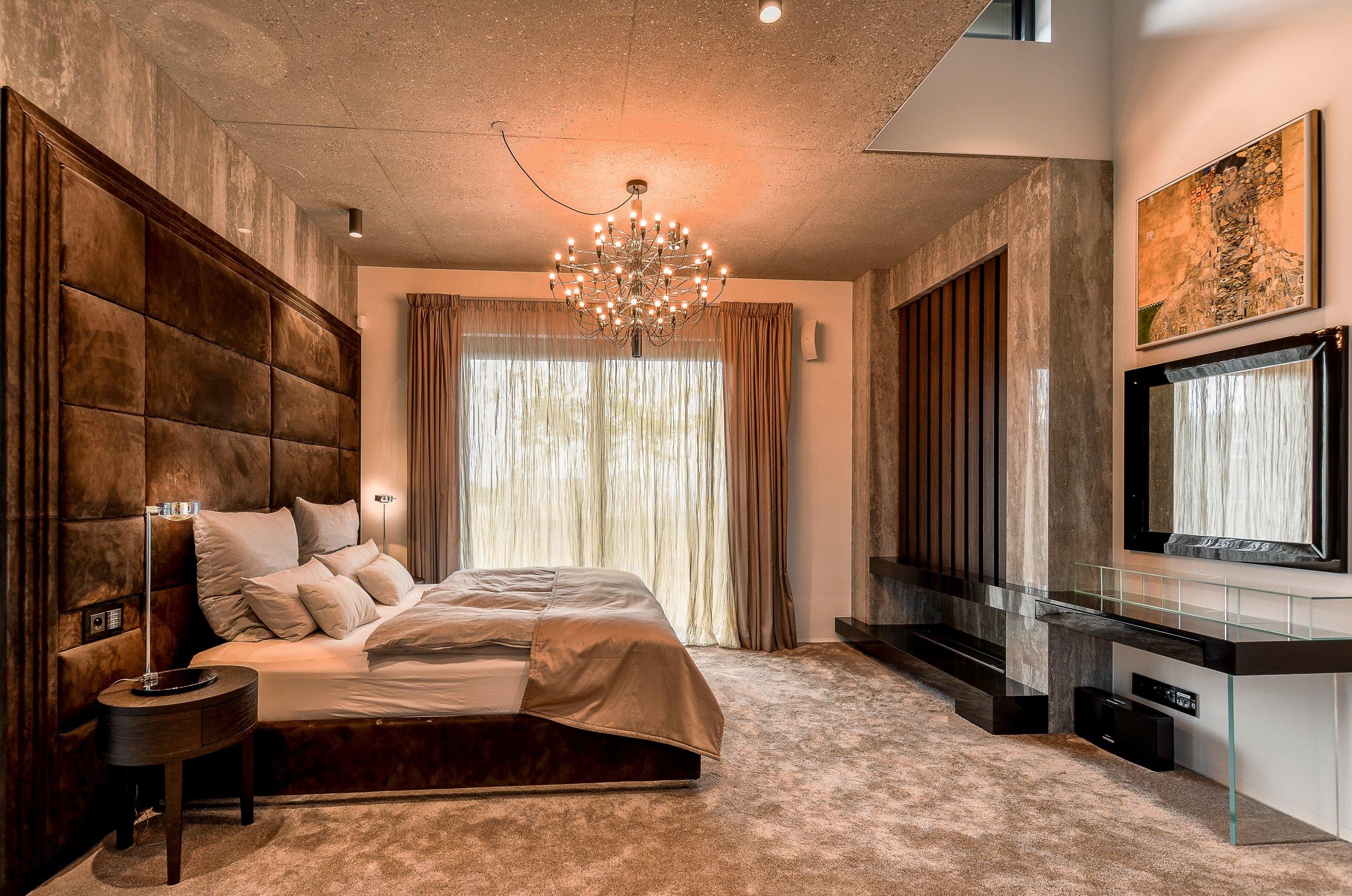 I na Slovensku se již začal výrazněji prosazovat fenomén budování luxusních penthousů. Do jednoho z nich vás nyní zveme. Jeho majitel si své nadstandardní…