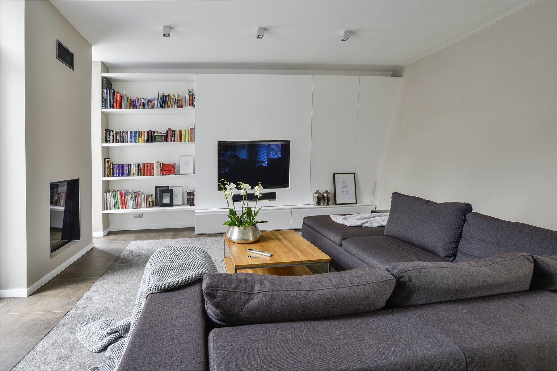 Naše studio do projektu vstoupilo ve fázi, kdy už byla přesně dána konstrukční a materiálová podoba domu. Návrh funkční dispozice prostor domu a stejně tak…