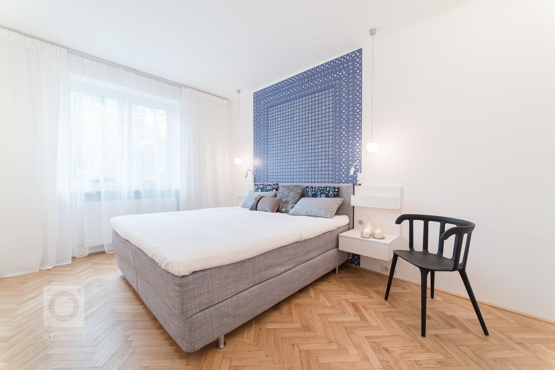 Čerství majitelé třípokojového bytu se dvěma lodžiemi a malým balkonem měli od začátku jasno v tom, že chtějí mít bydlení ve skandinávském stylu. Jenže původně…