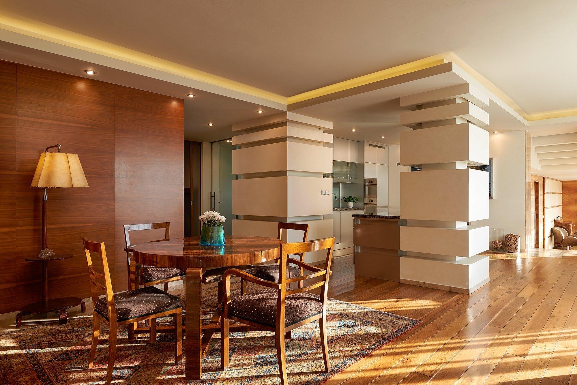 Unikátní penthouse Jeseniova je jedinečný apartmán se střešní zahradou,krytým bazénem, kulečníkem, fitness centrem a poutavým výhledem na Prahu z každé…