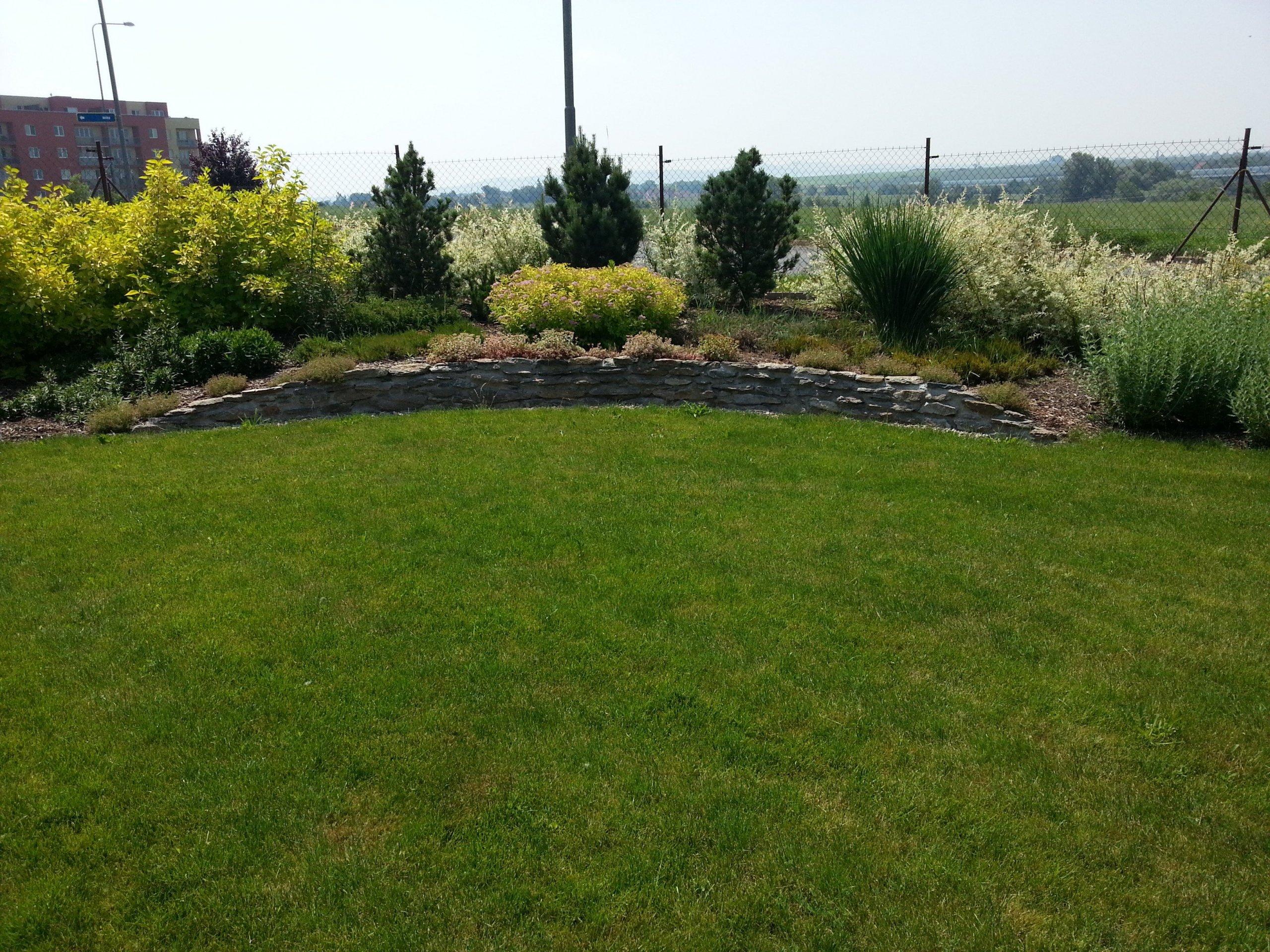 Vznik zahrady je svého druhu umělecký proces. Především pak přípravná fáze pro budoucí zahradu, při které vzniká doslova architektonický návrh celého projektu.…