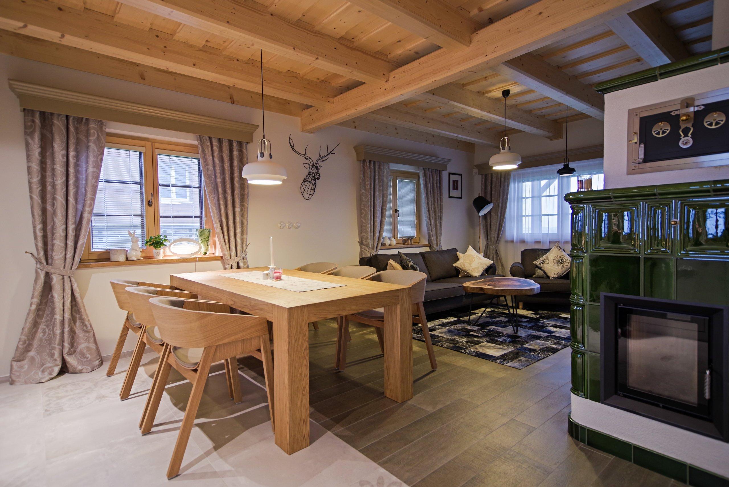 Realizace stylového interiéru chaty v Jeseníkách od kompletního návrhu vizualizace, až po výrobu a řemeslné zpracování interiéru na klíč. Součástí zakázky byly…