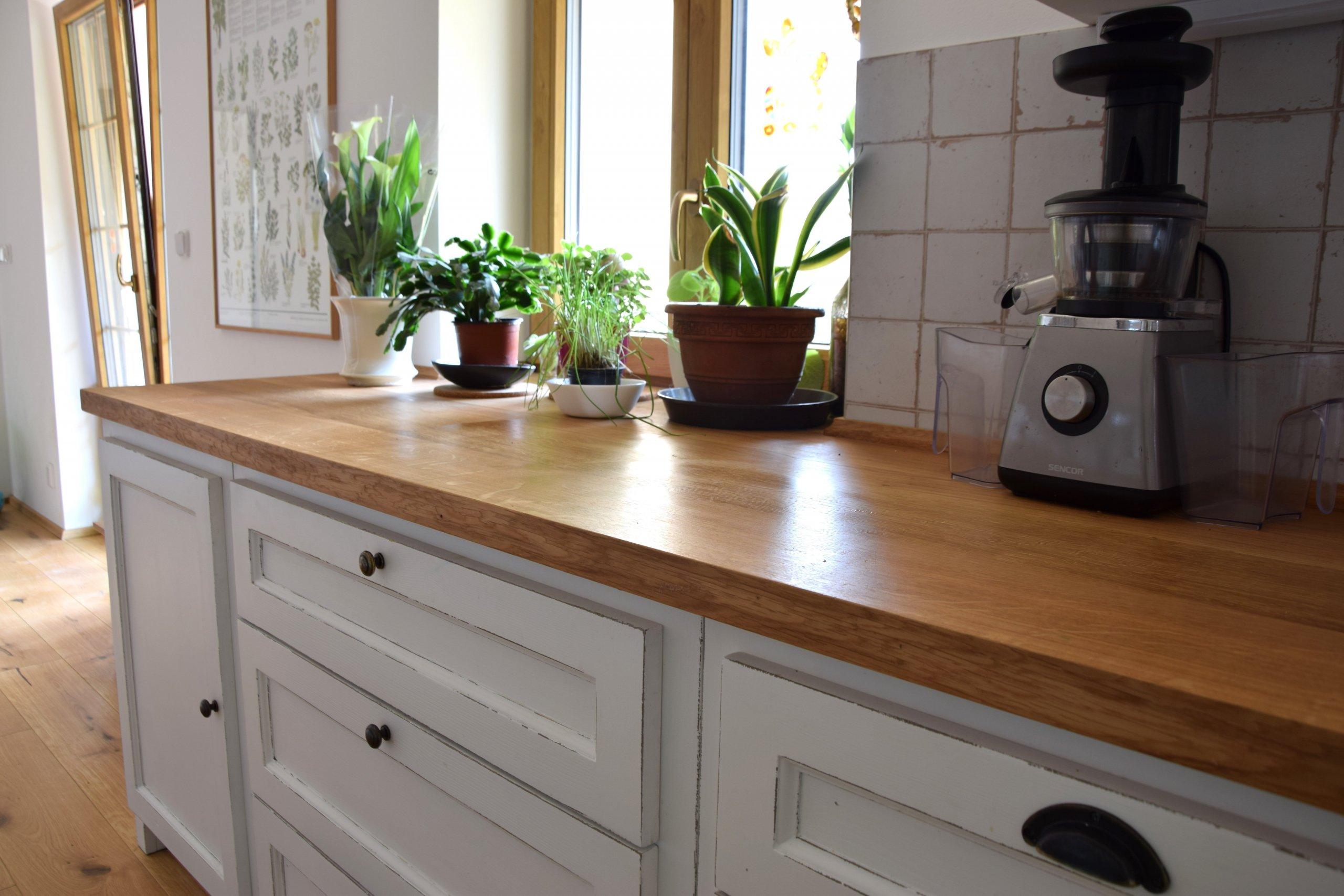 Naše nejnovější realizace kuchyně z masinu s názvemGeorgia - jená se o kuchyni vyrobenou z masivního dřeva.Kromě klasických kuchyní máme v nabídce…