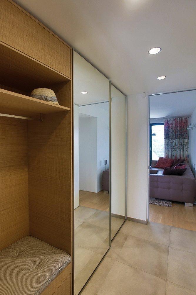 Interier bytu byl realizován v rezidenčním objektu na Praze 6. Ještě před dokončením hrubé stavby domu, byly navrženy úpravy dispozice tak, aby byt vyhovoval…