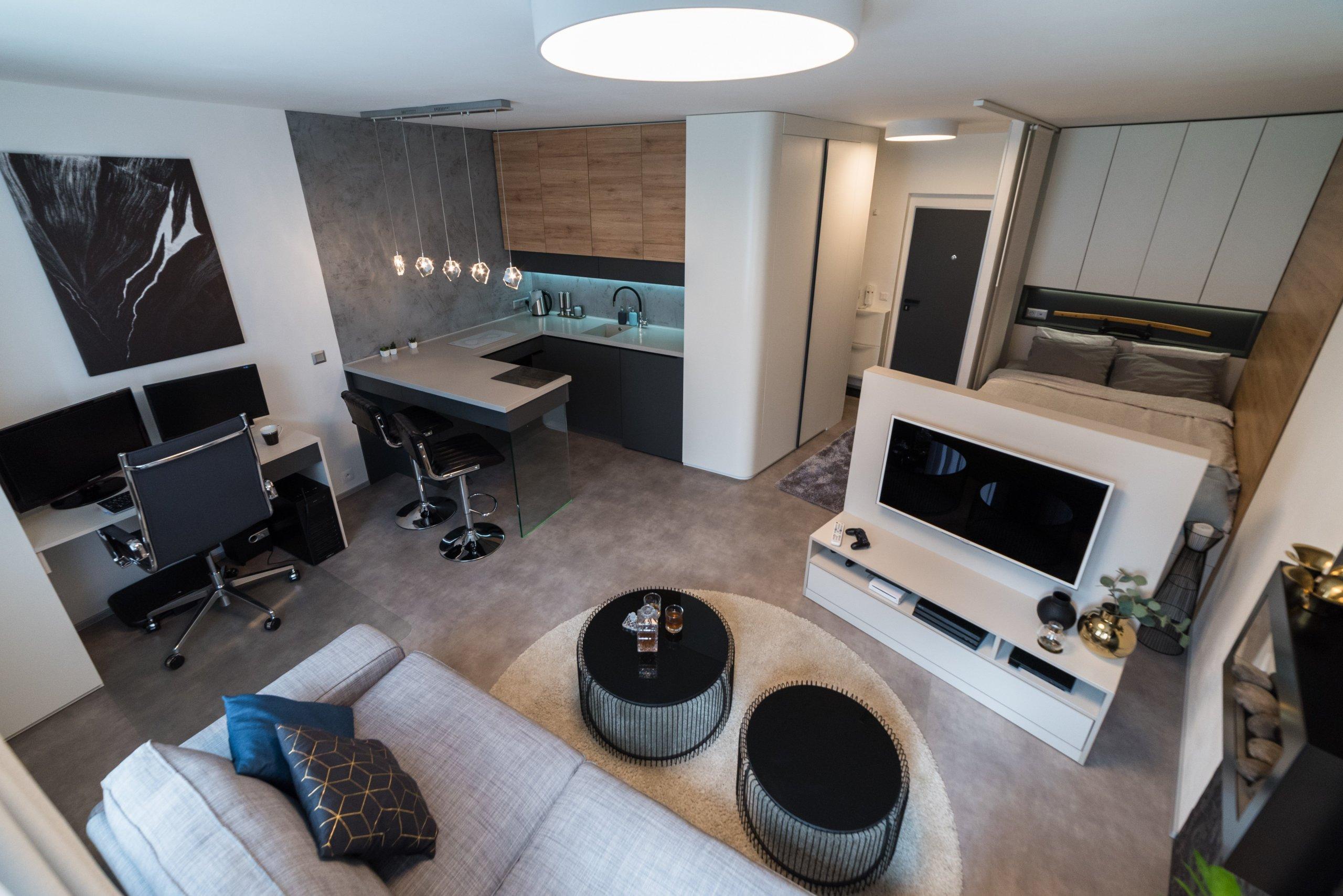 Většina developerů, kterí staví a prodávají malometrážní byty,moc neuvažuje o běžném životě v nich. Proto vznikají dispozice, které jsou pro plynulý…
