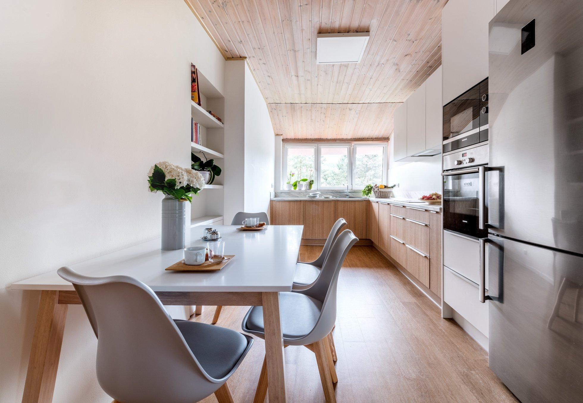 Moderní kuchyně s nádechem skandinávie.Skandinávský styl bydlení se v posledních letech těší velké oblibě.Tento interiérový styl se vyznačuje…