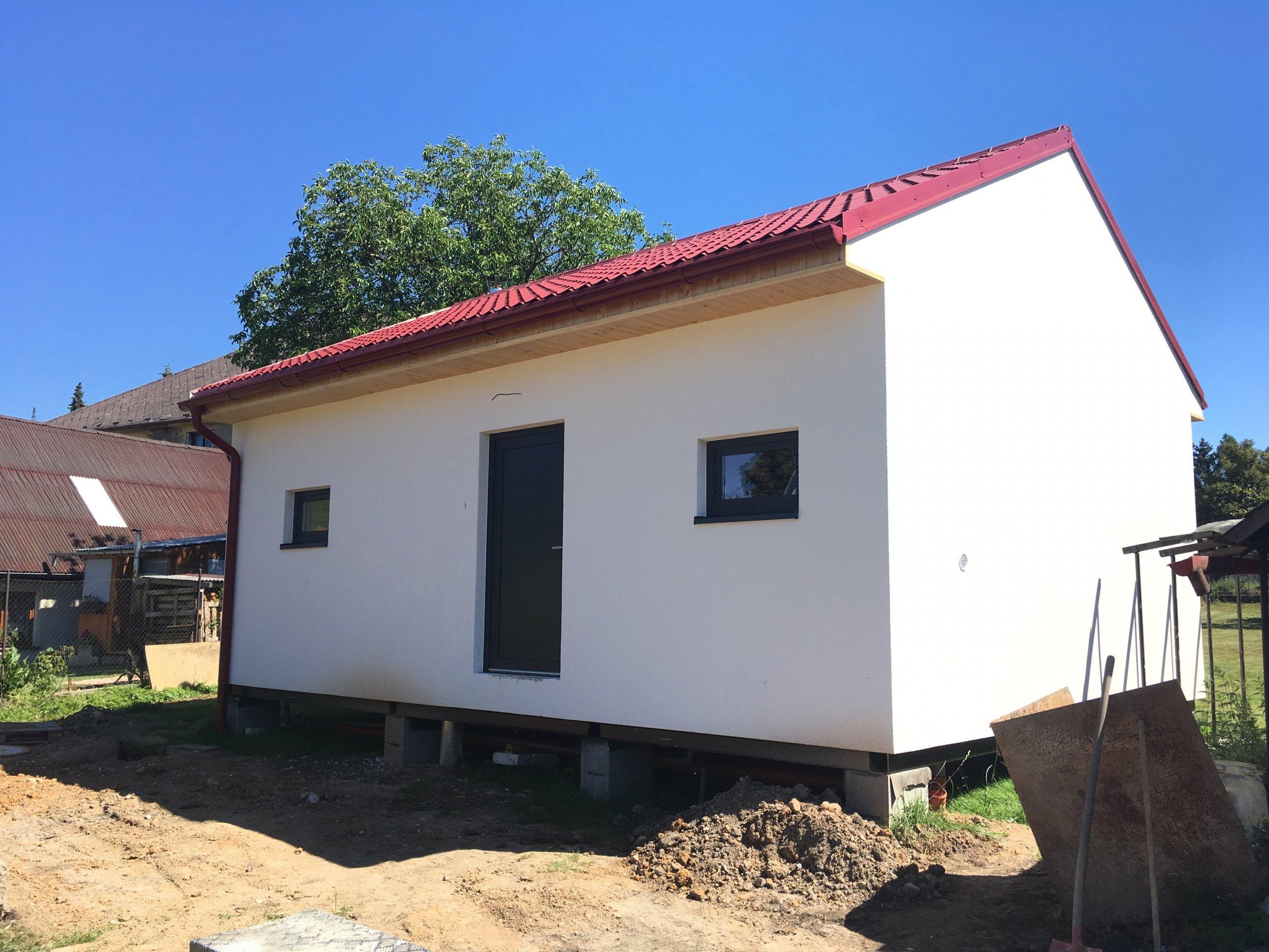 Právě jsme dokončili v Hrádku u Rokycan dřevostavbu o zastavěné ploše 50m2, která vznikla kombinací návrhu projektanta a požadavků majitelů. Stavba je dalším z…