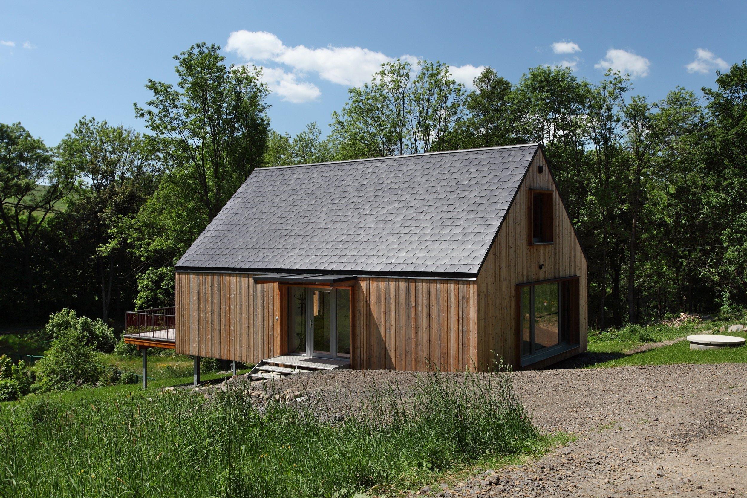 """Pokud toužíte vyzkoušet svou """"testovací jízdu"""" v moderní dřevostavbě, pak je Domesi Concept House určen právě vám! Víkendový dům - s veškerým…"""