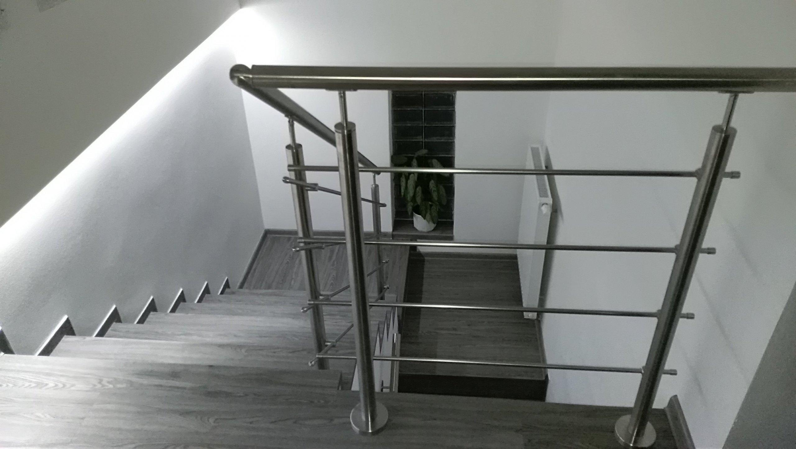 Vinylové schodiště - pohled shora