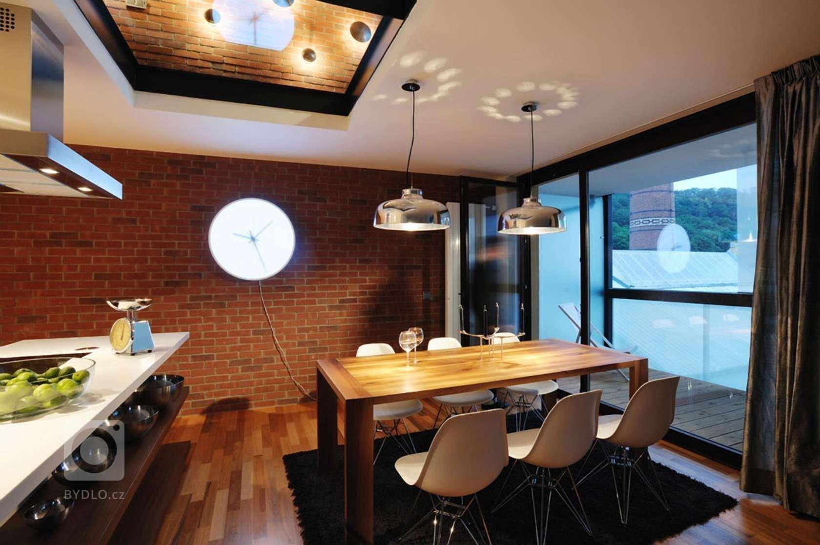 Interiéry vzorového bytu pro Real Estate Karlín Group v komplexu Cornlofts. Interiéry vznikaly v nově vybudované budově sýpky přetransformované v luxusní…