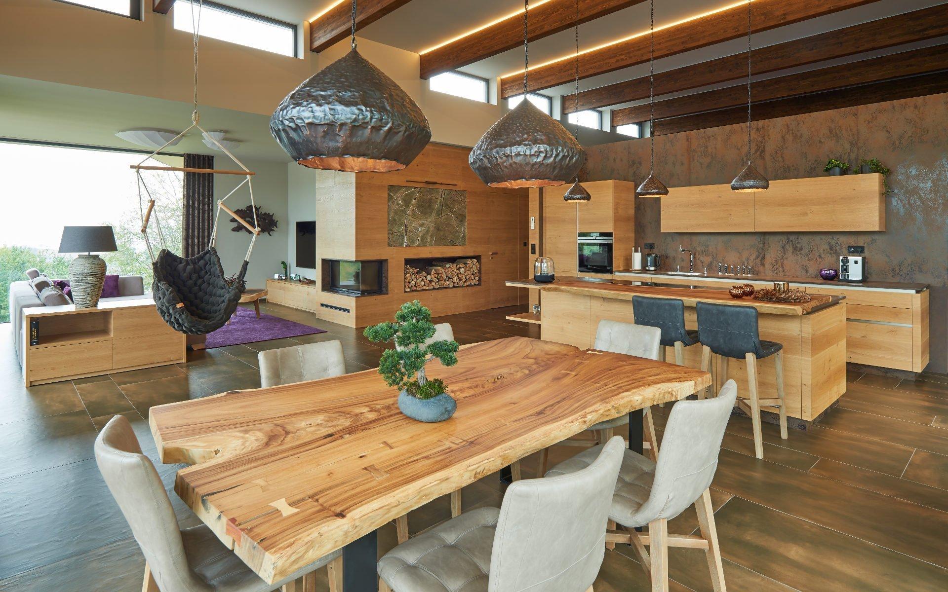 Krásný dům situovaný v nerušené přírodě.V hlavní roli tétorealizace je zvolený materiál. A todýha dub rustikální přírodní s jemnou strukturou…