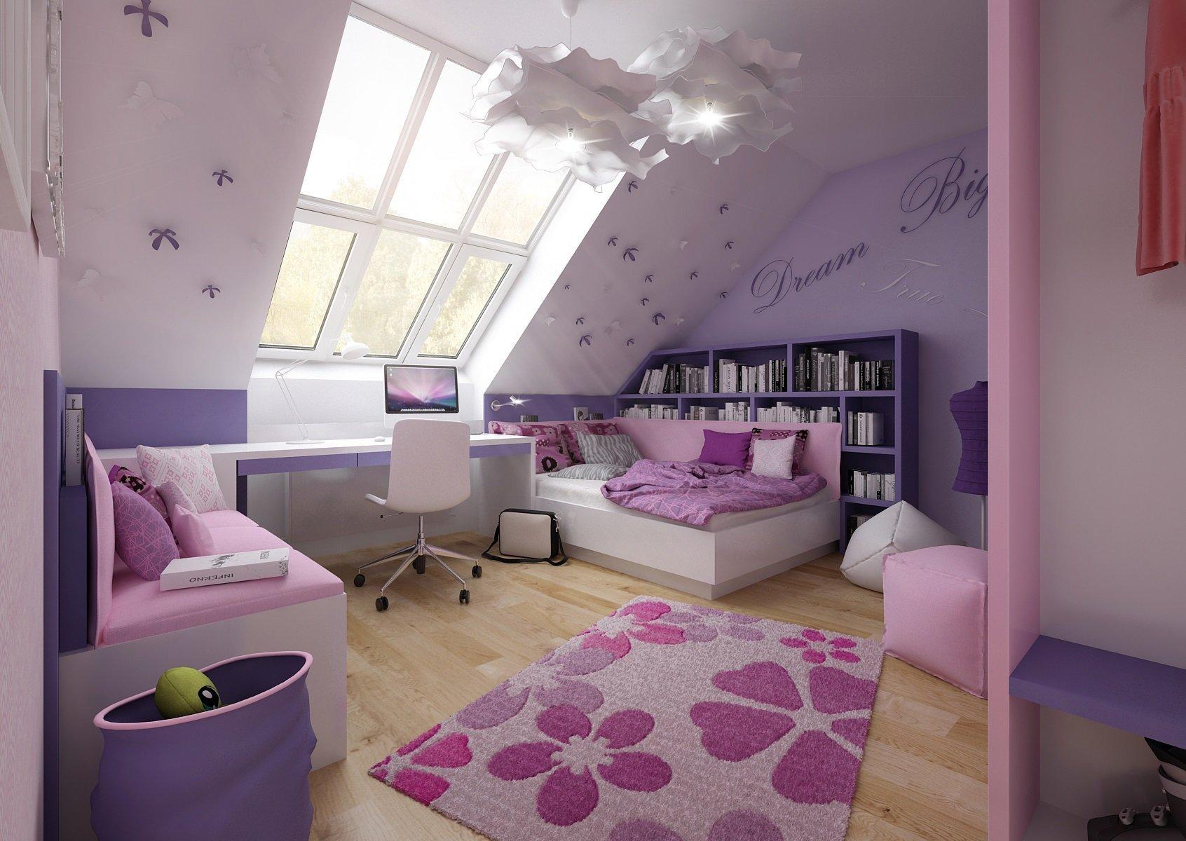 Růžovo-fialová kombinace podkrovního dětského pokoje pro mladou slečnu. Vprostoru pod šikminou je umístěna postel, na kterou navazuje pracovní stůl a…