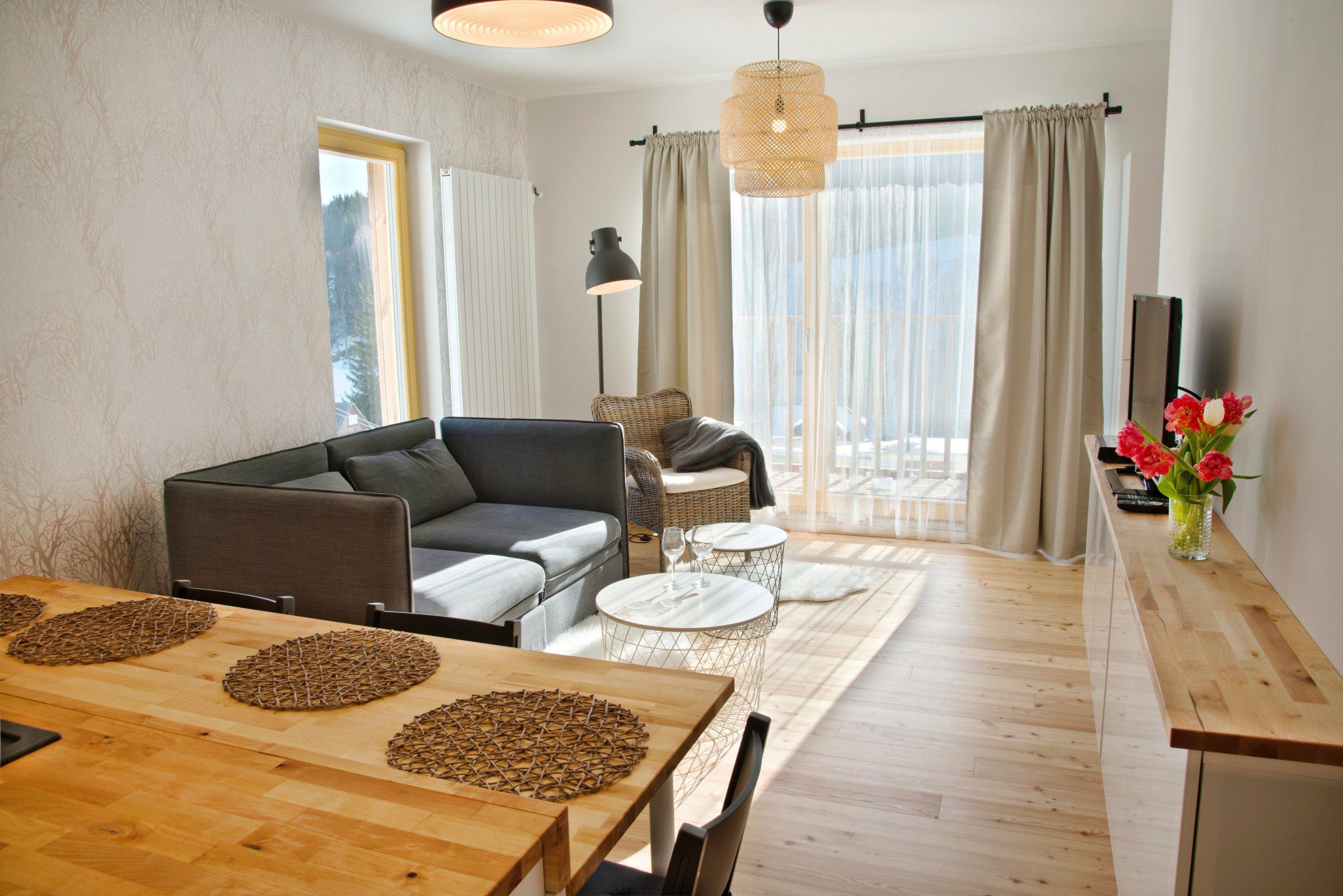 Zadání znělo jasně - účelně zařídit nově vybudovaný apartmán, který je primárně určen ke krátkodobému pronájmu a v průběhu roku slouží k rekreaci i jeho…