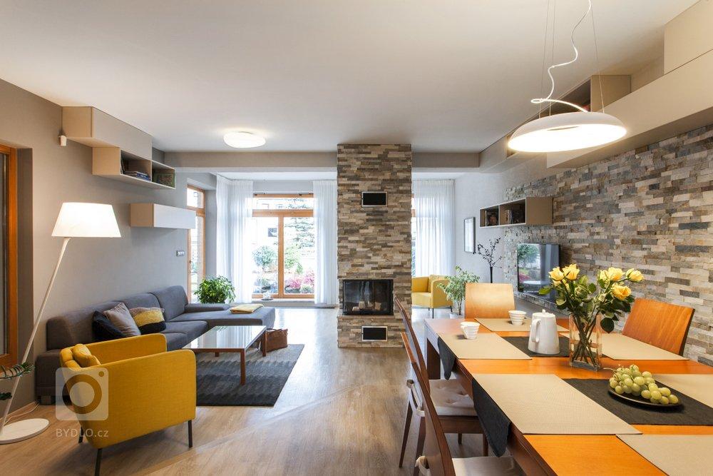 Takto dopadla rekonstrukce v jednom rodinném domě, kde žije Oskar (pes) a jeho páníčkové, kteří se rozhodli, že je na čase pozměnit ráz obývacího pokoje a dát…
