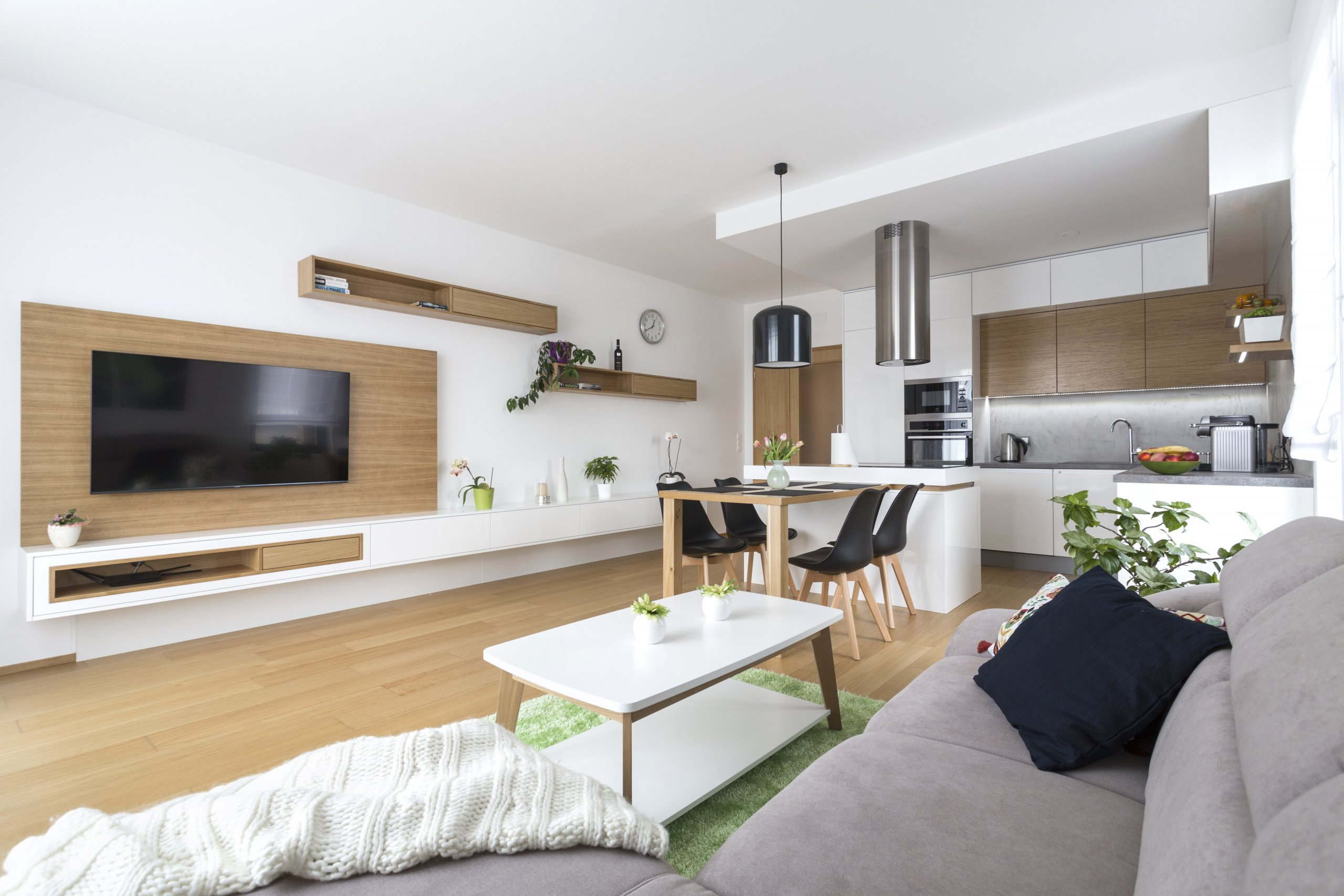 Developerský projekt, který nabízí klidné bydlení v zaleni apřitom je v Praze. Byt 3kk s ohromnou terasou, výhledem do okolí, tříčlenná rodina a omezený…