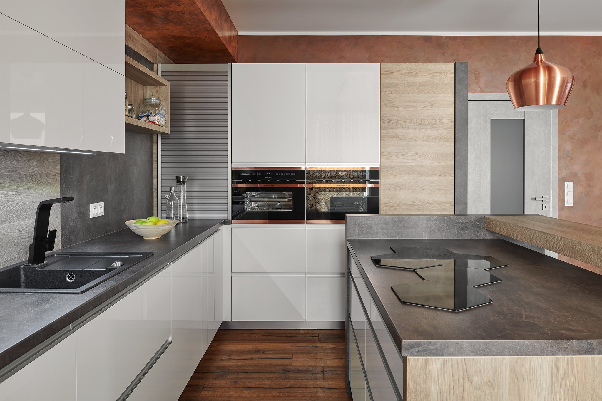 Bílábarva kuchyně představuje univerzální řešení aleskje už pěkných pár let v kurzu.Lesklé povrchydodávají kuchyni exkluzivní…