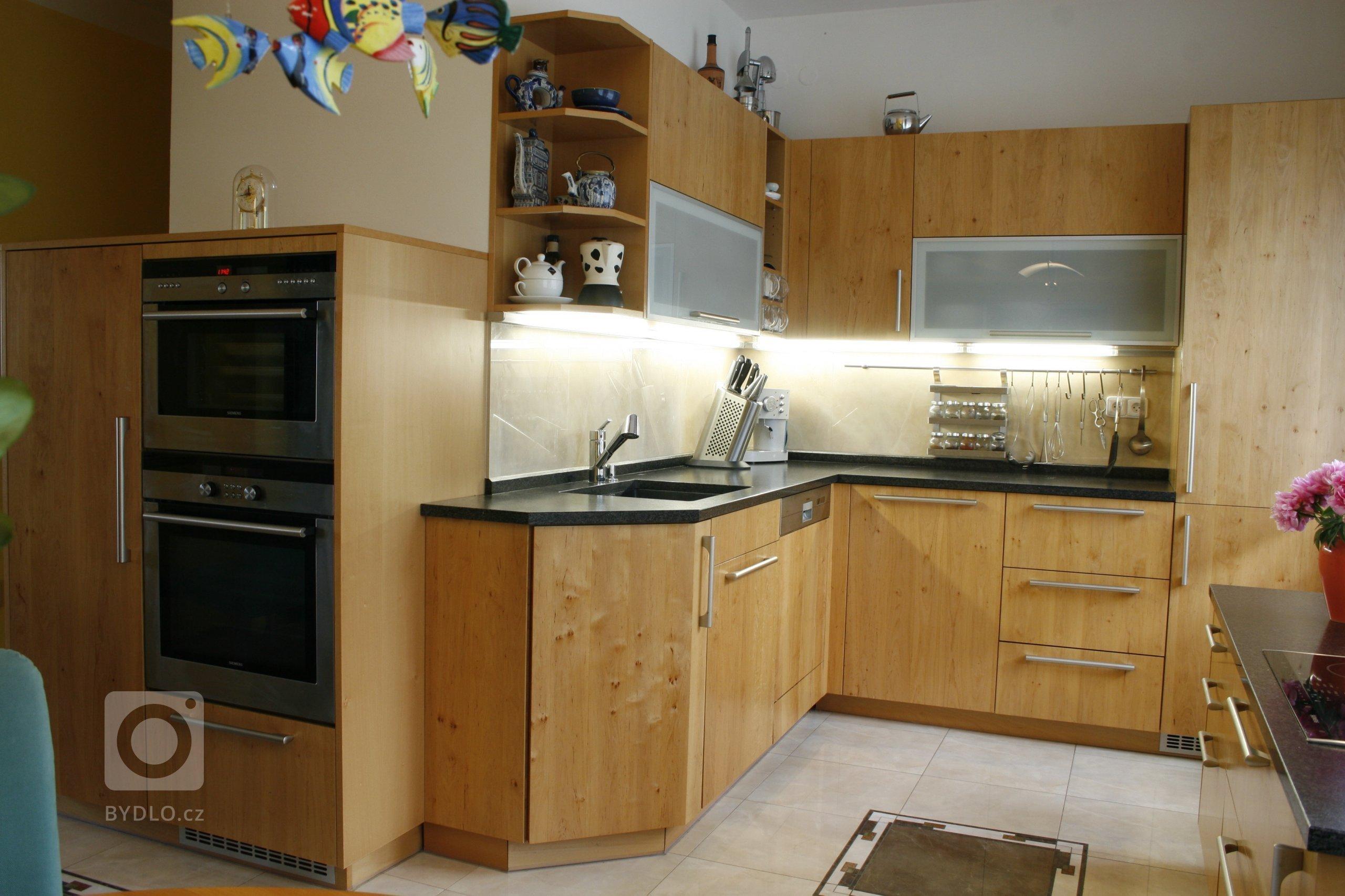 Kuchyně masiv