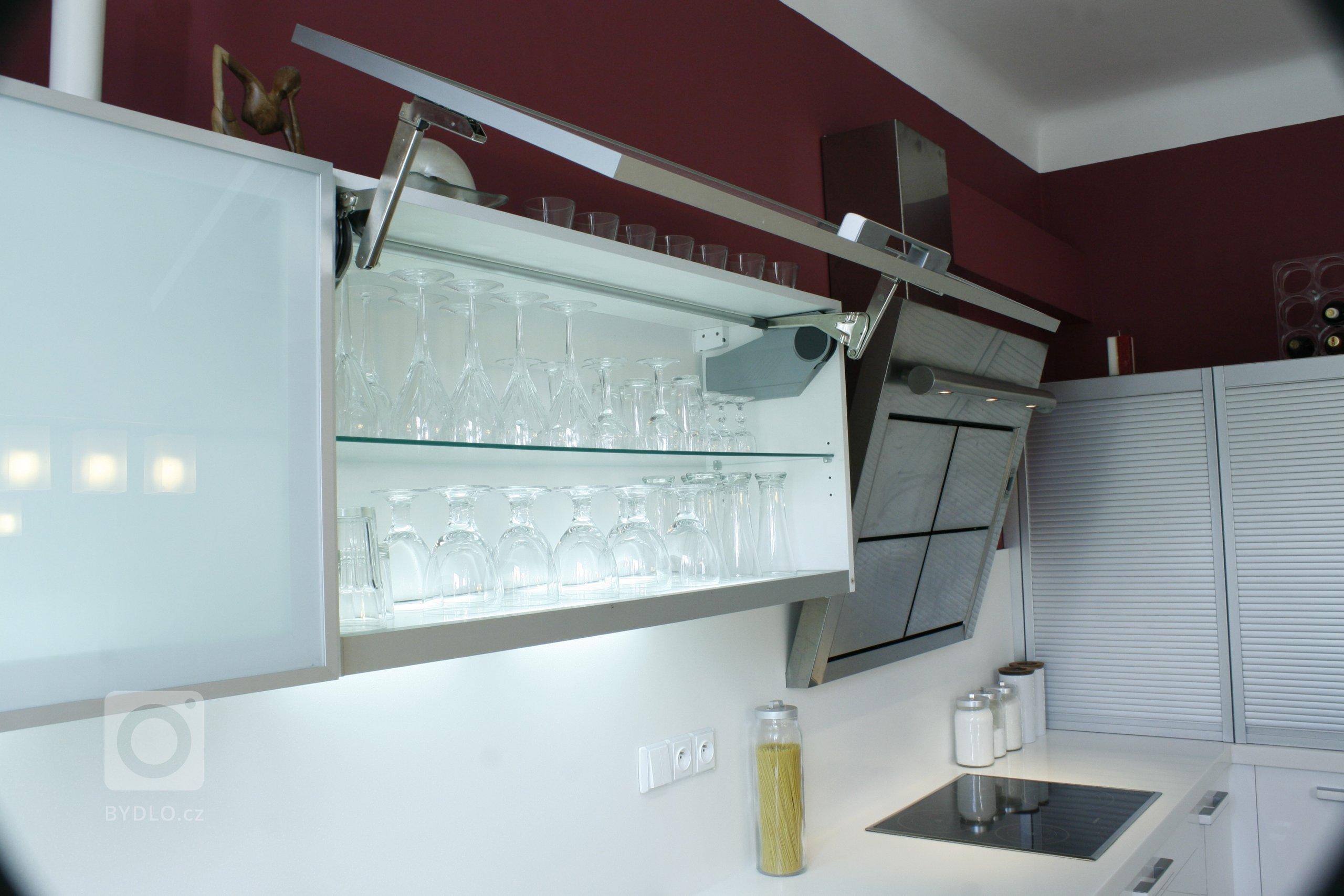Kuchyně vysoký lesk