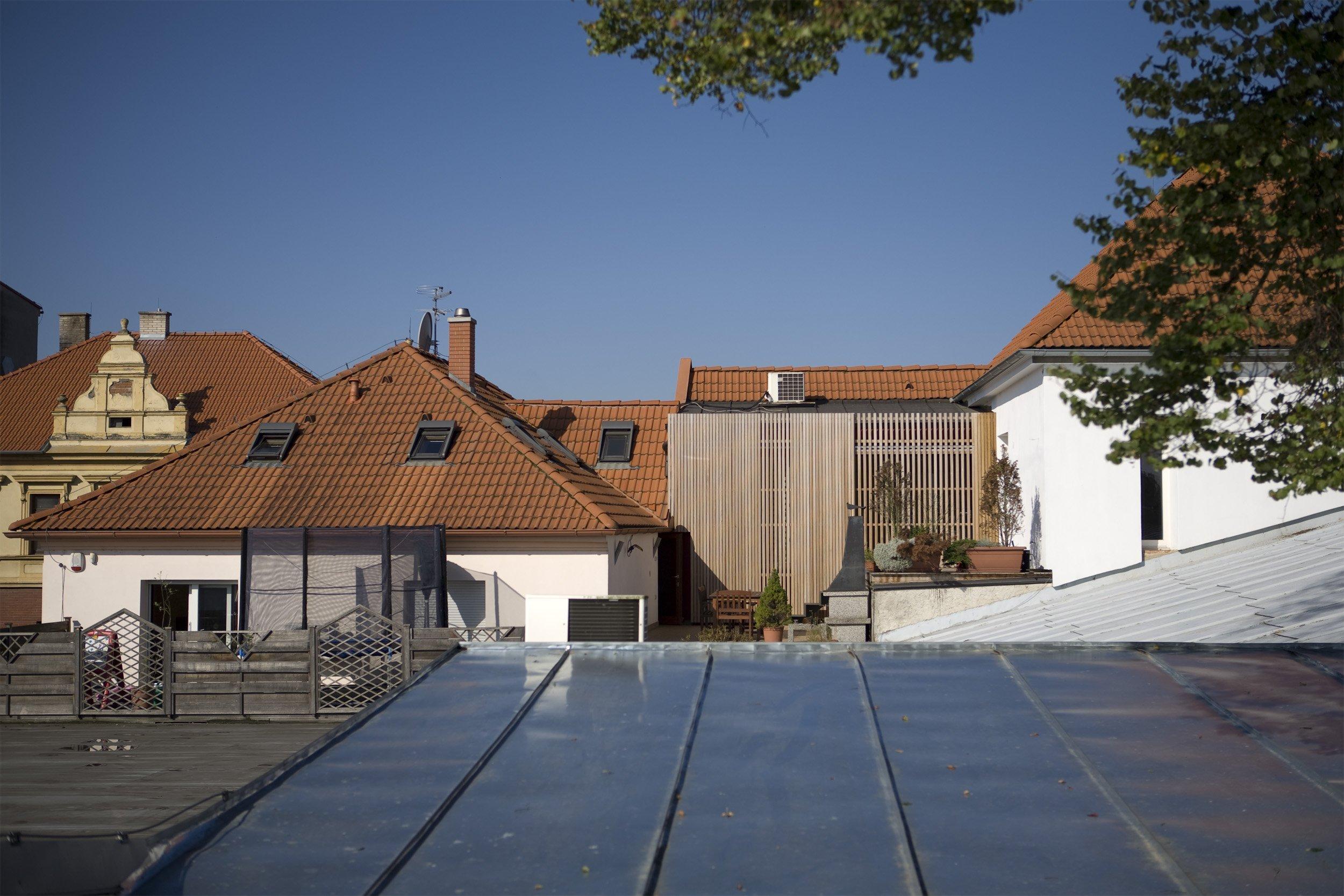 V minulosti klient rekonstruoval dva historické domy v centru města. Po několika letech užívání z jeho strany vznikla potřeba vytvořit separátní přechodné…