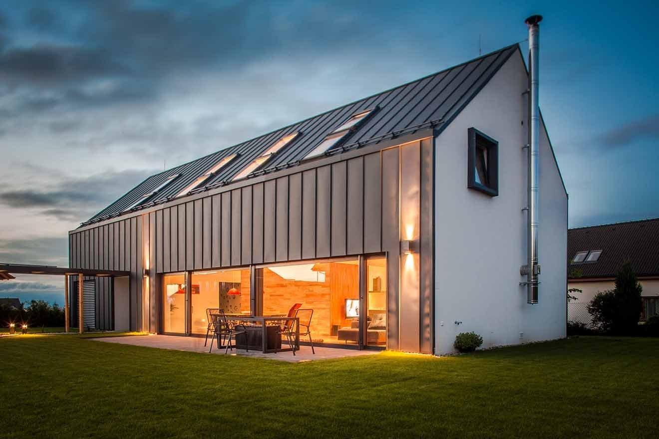 Až na druhý pokus získala tříčlenná rodina perfektní dům, který zcela odpovídá jejím požadavkům. Má otevřenou galerii, je dostatečně prostorný, světlý a zaujme…